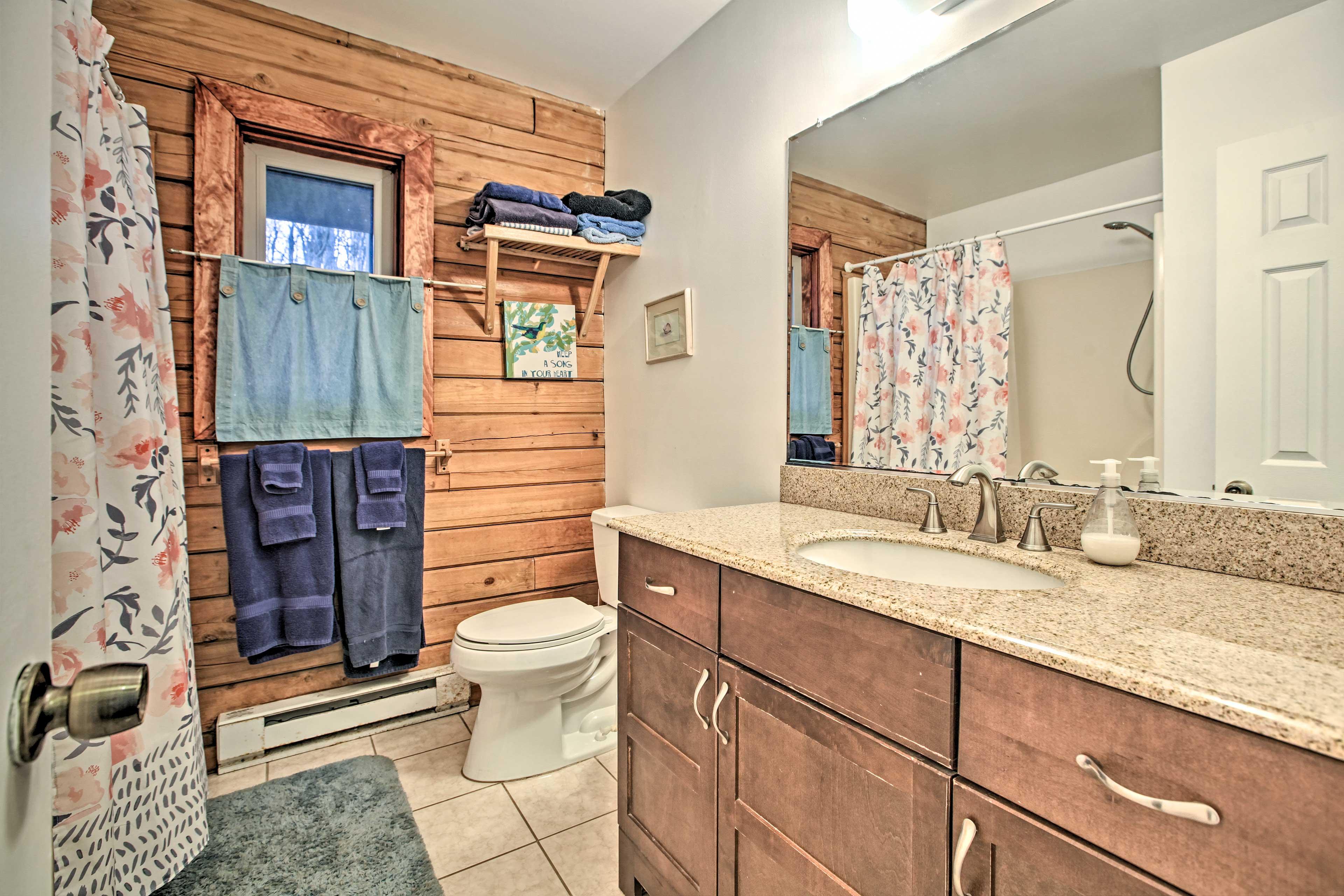 Bathroom   Towels Provided
