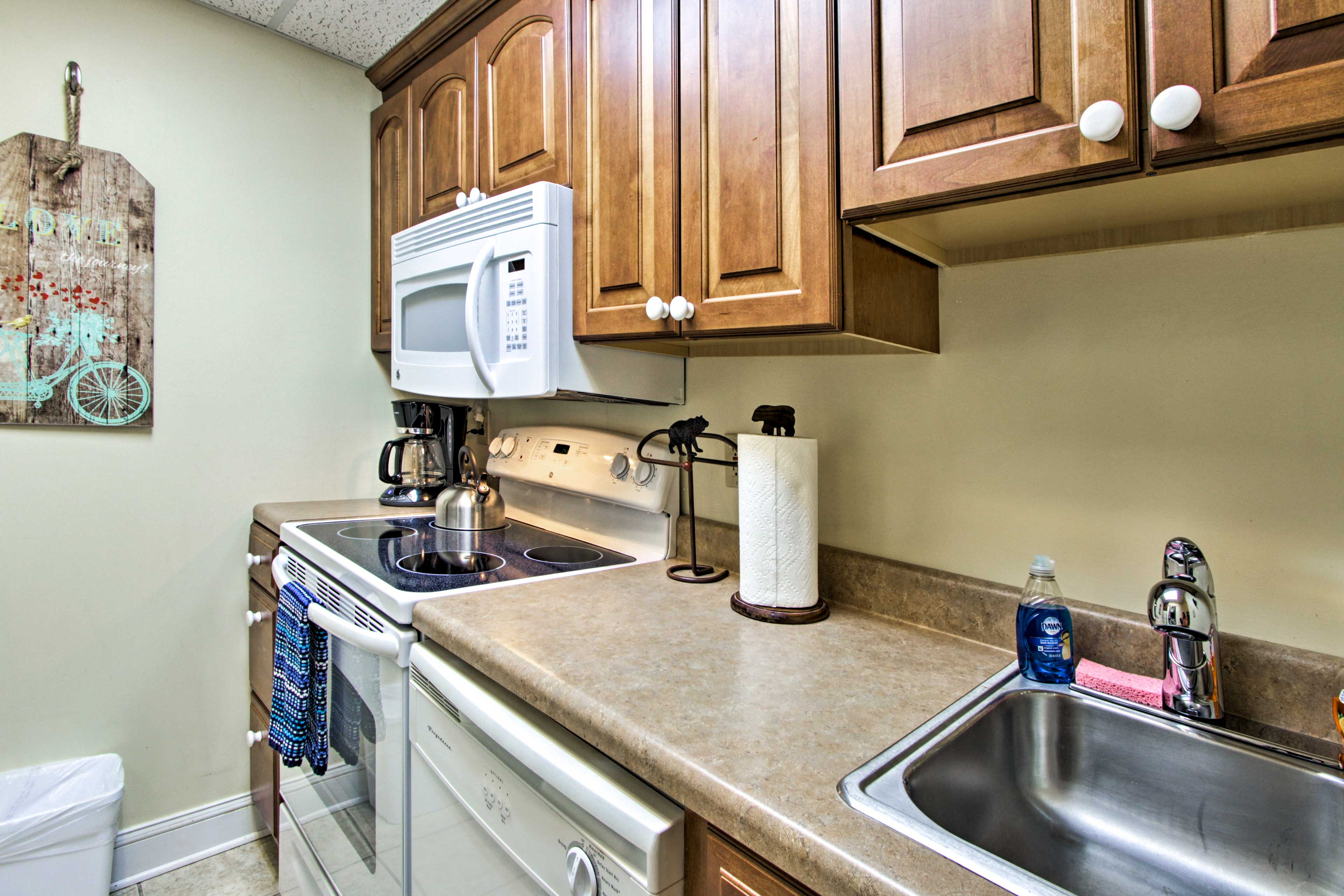 Practice your cooking skills in this fully equipped kitchen.