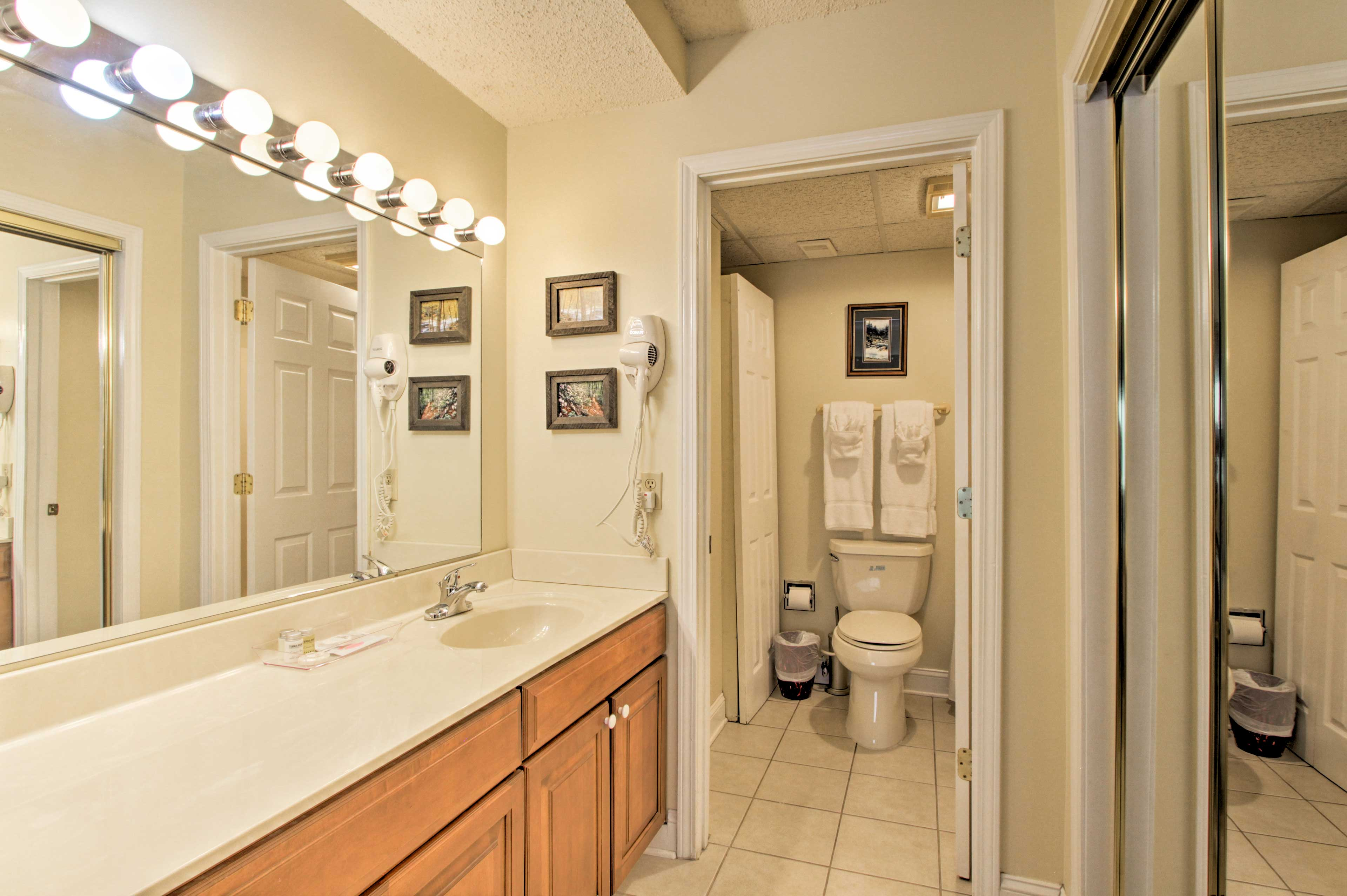 The lengthy vanity provides plenty of room for more than 1 to get ready.