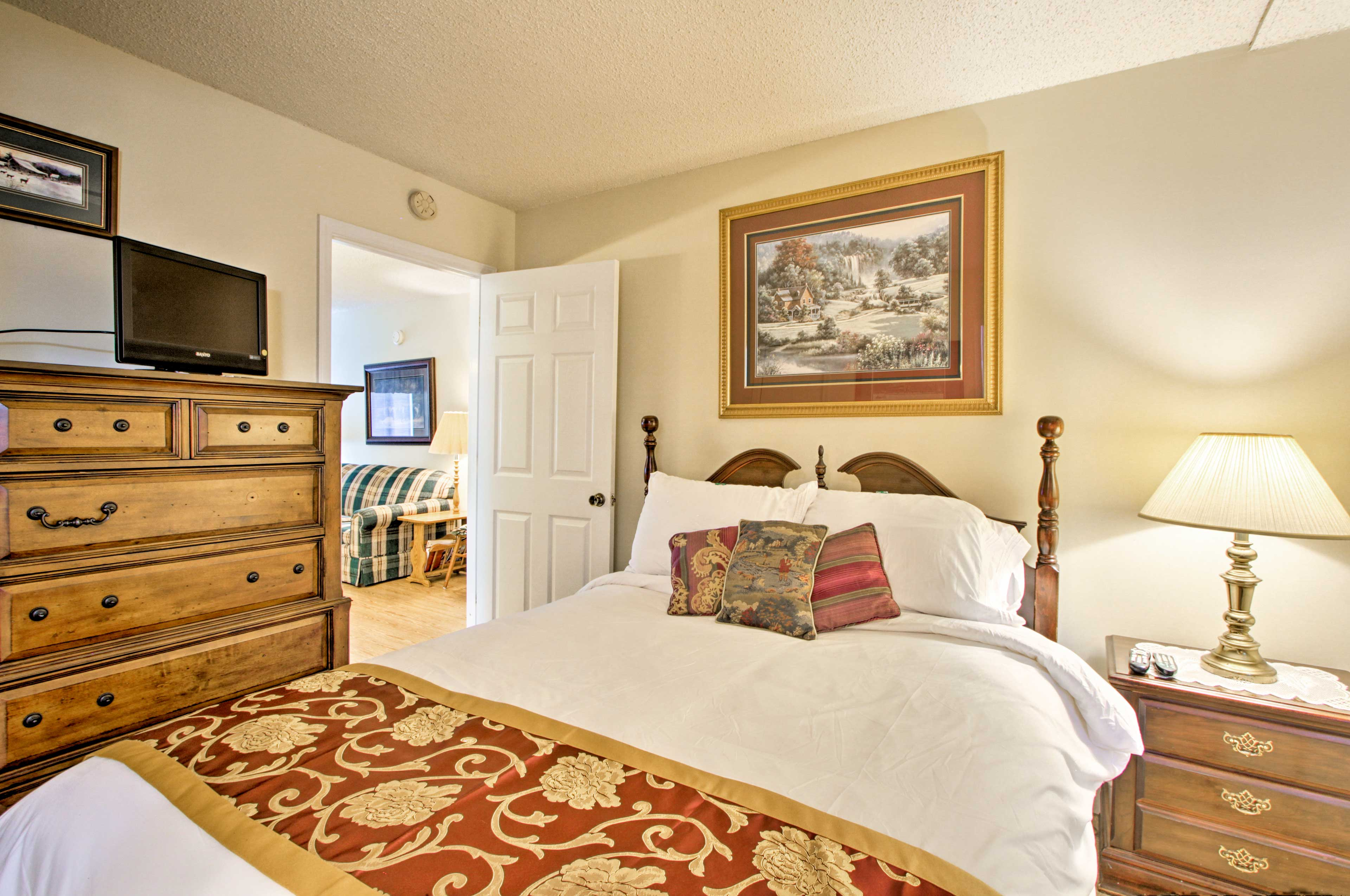 Rejuvenate for a new day of vacation in this queen-sized bed.