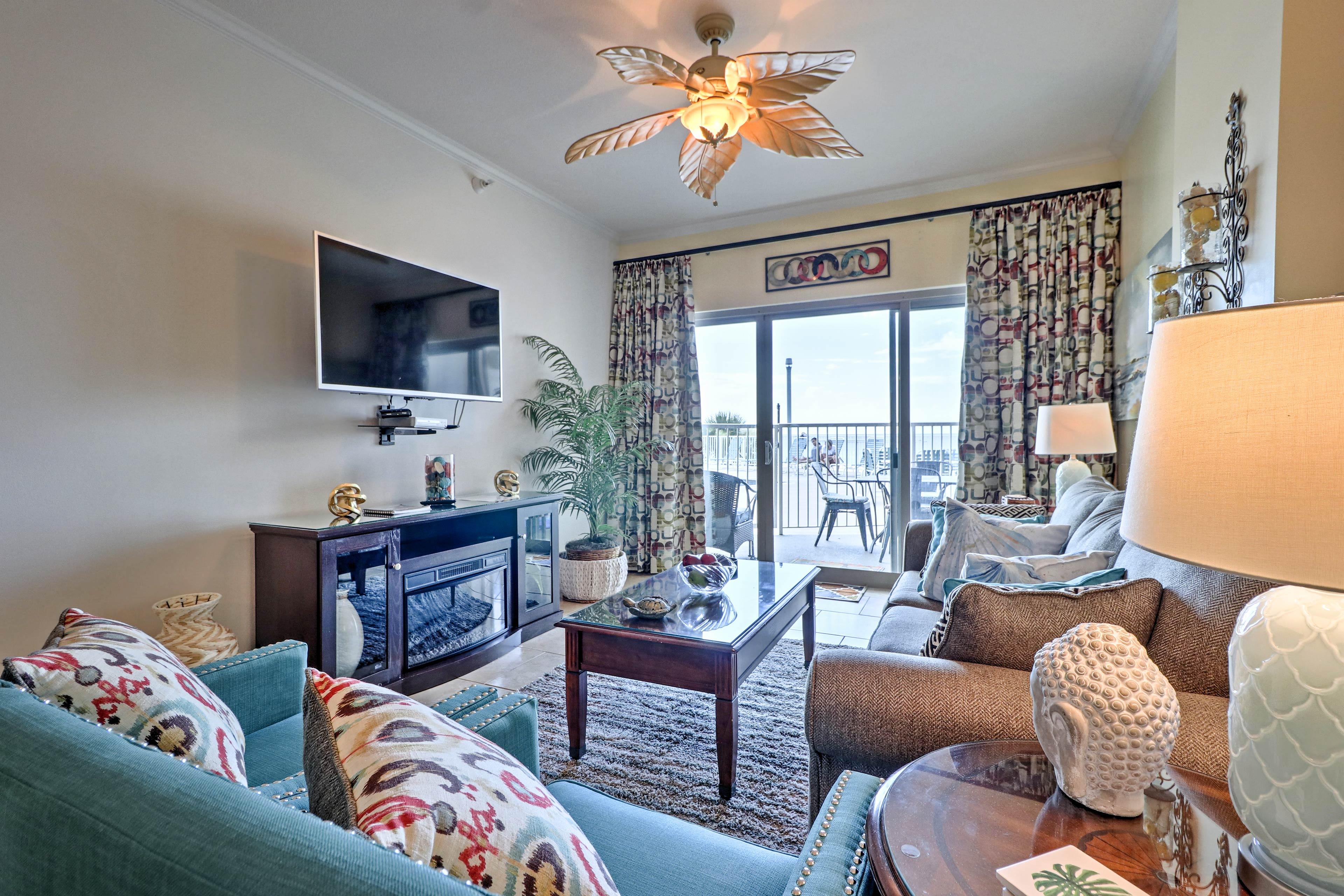 Plan your next Biloxi getaway to this outstanding 2-bed, 2-bath condo!