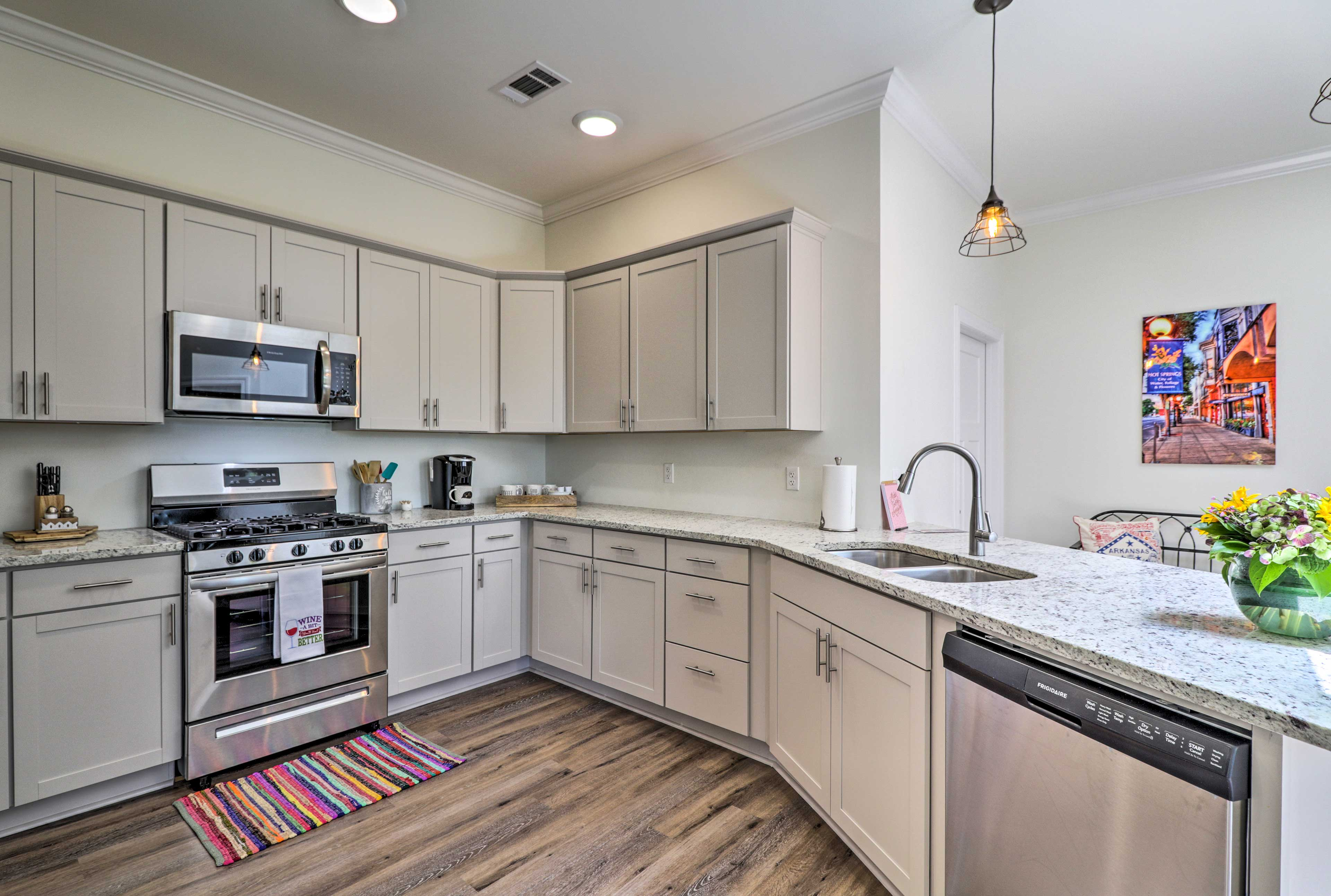 The space comes complete with state-of-the-art appliances.