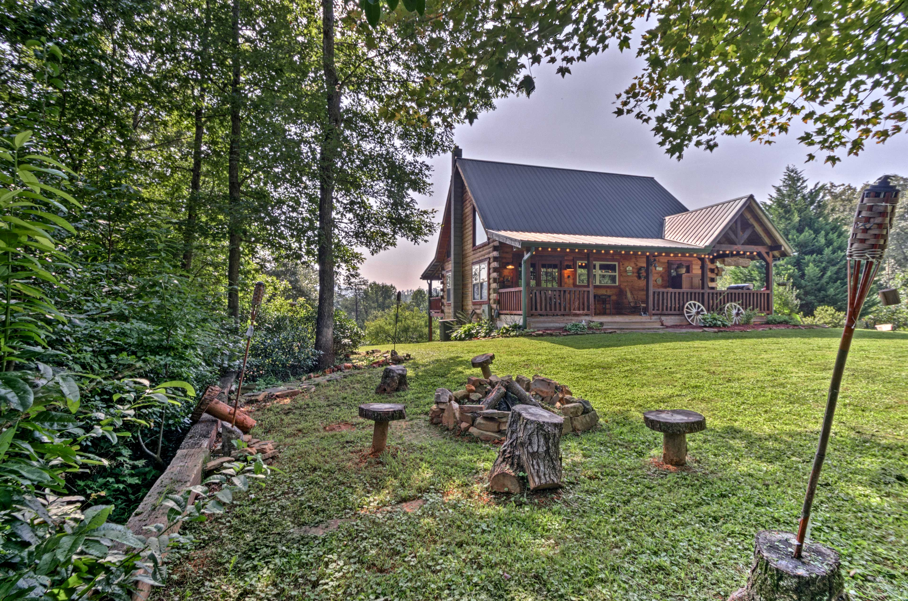 Experience the beauty North Carolina from 'Gallaway Cabin' in Franklin!