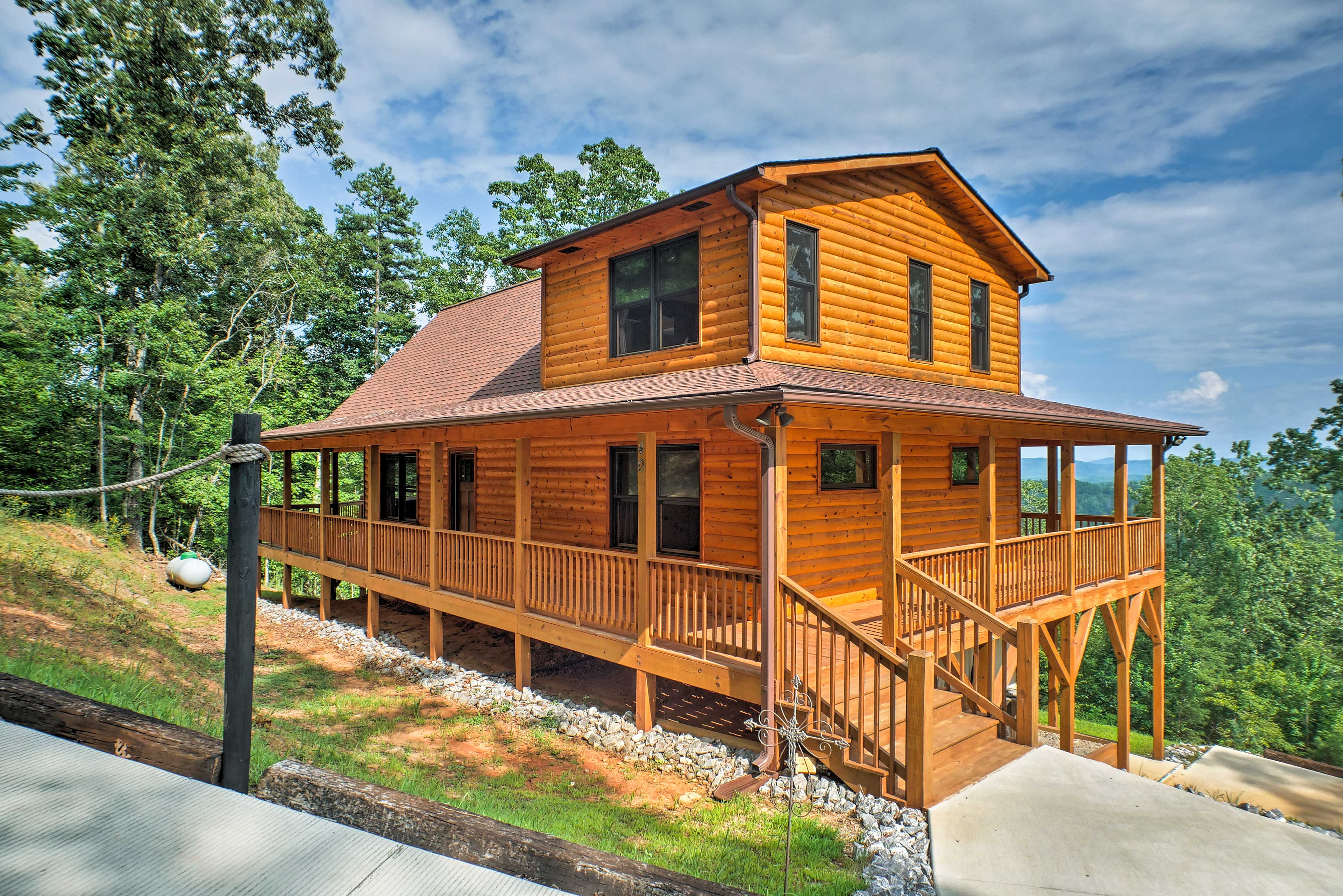 Elevate your Murphy getaway at this vacation rental cabin!
