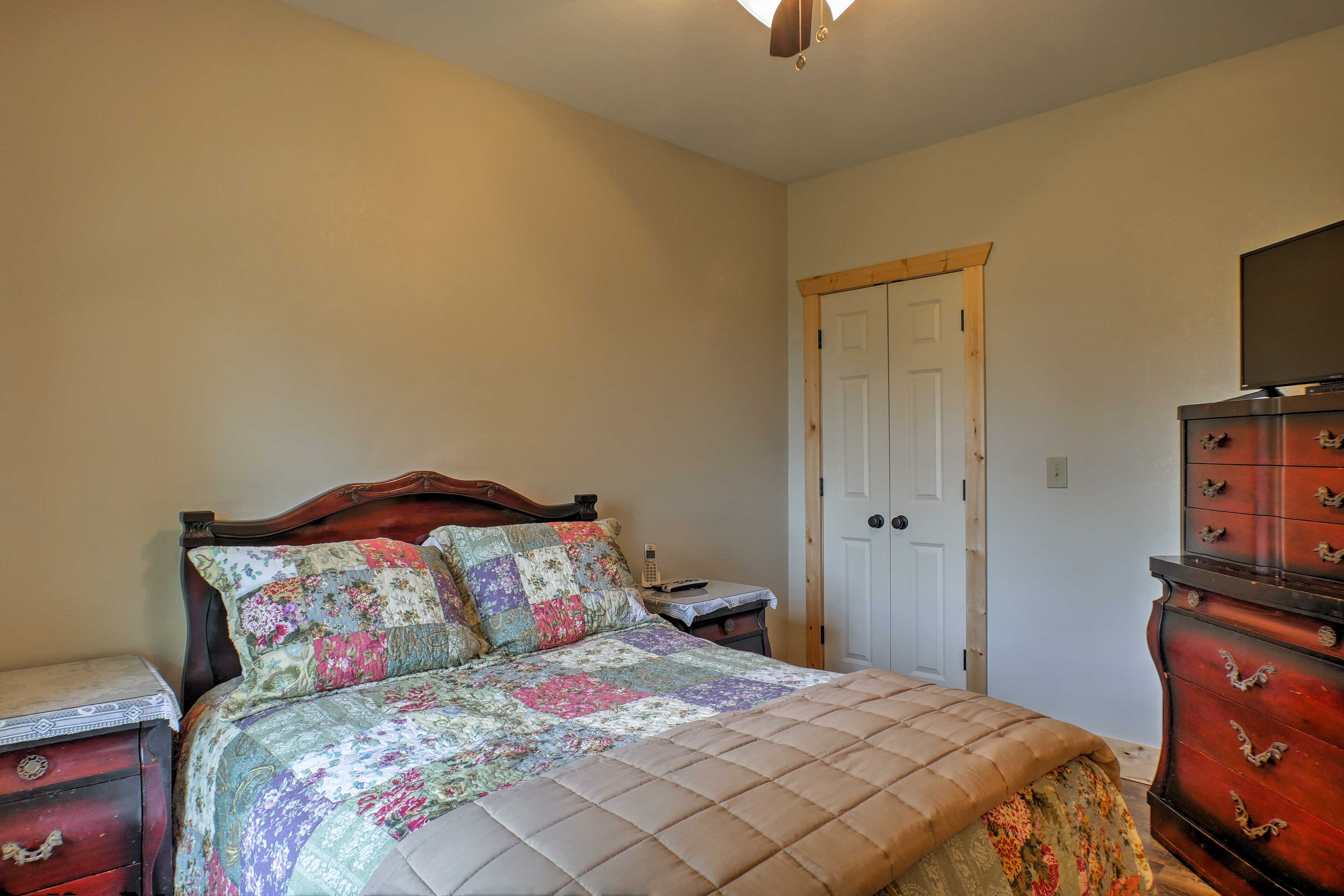 There's a cozy queen bed in each bedroom.