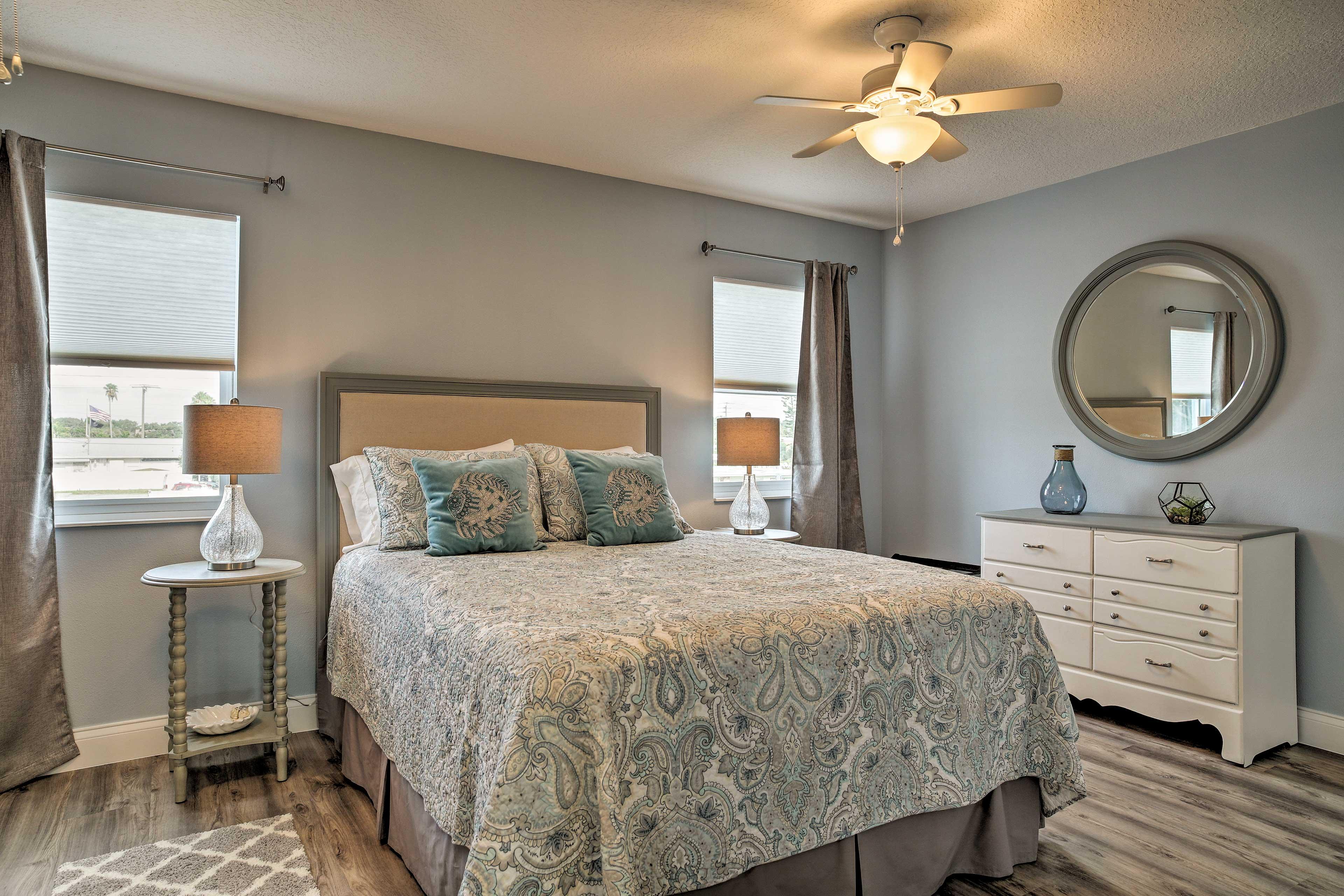 Bedroom 1   Queen Bed   Linens Provided