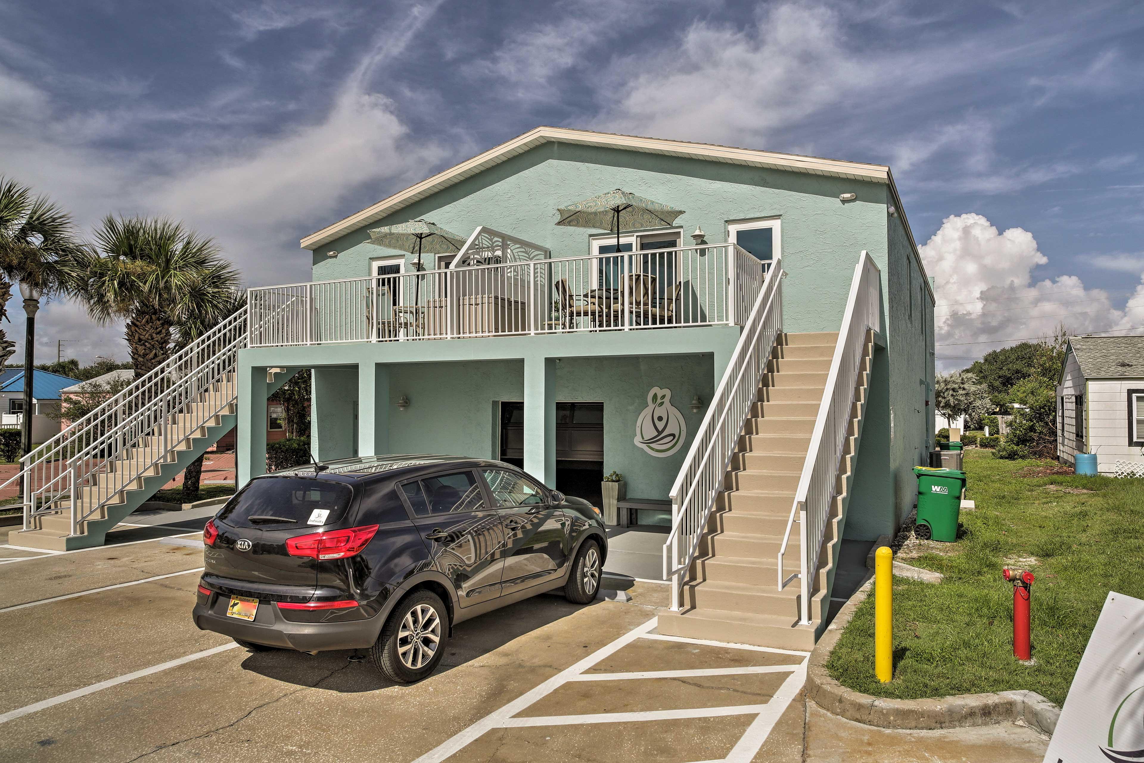 Exterior   Designated Parking (1 Vehicle)