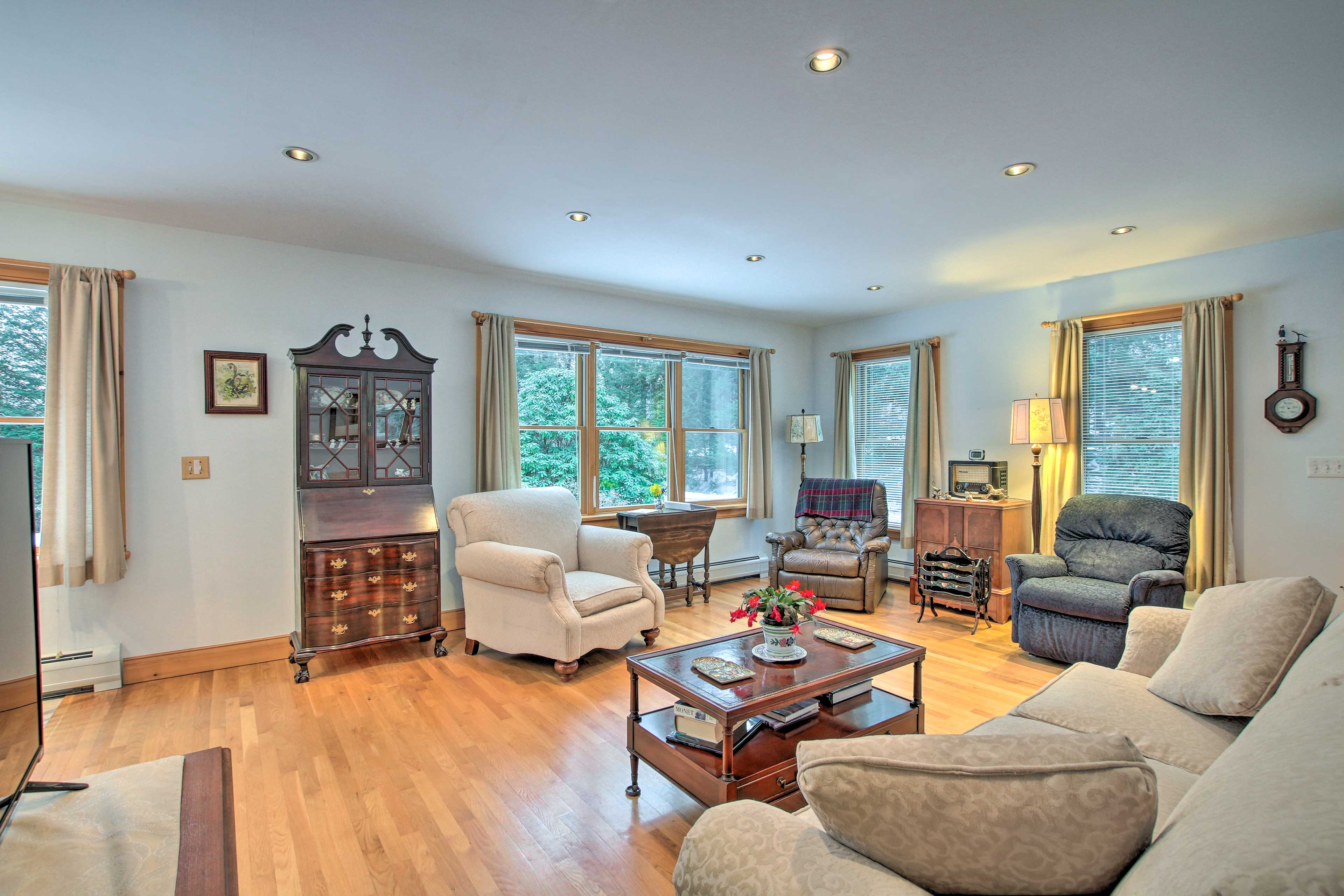 The living room offers tons of seating for your whole group.