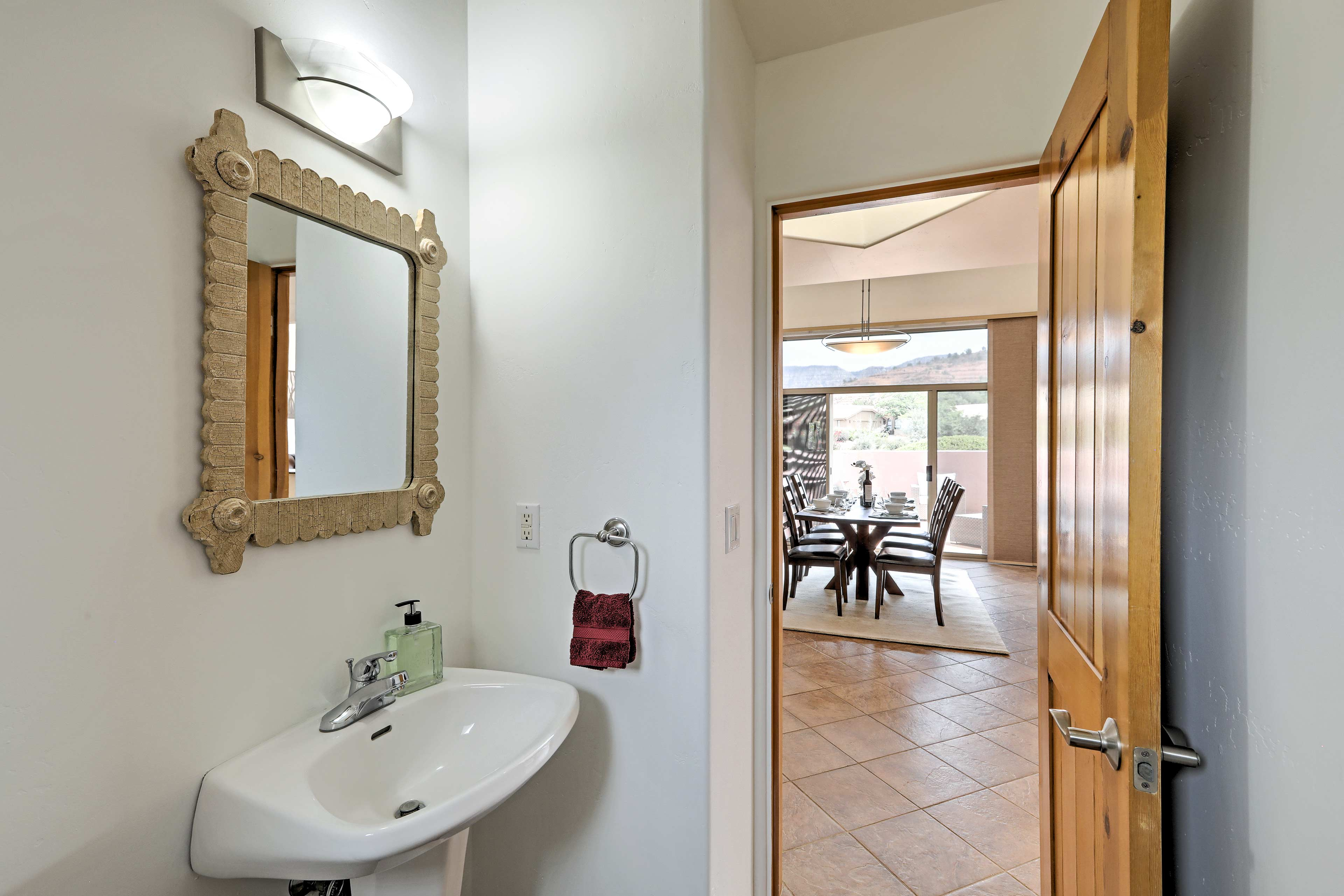 The house contains 2.5 bathrooms total.