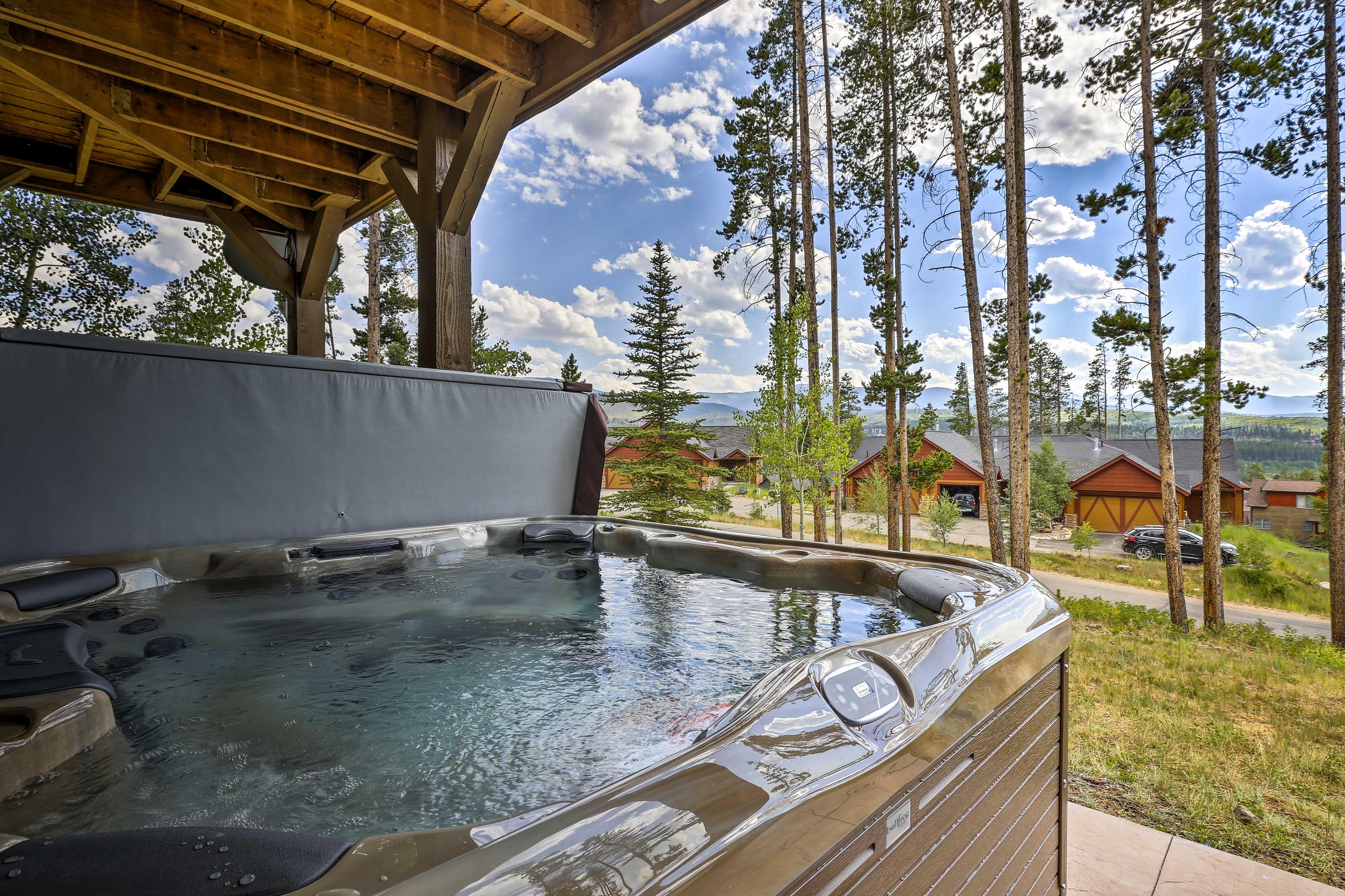 Lower Level Patio   Private 8-Person Hot Tub   Accessed Via Master