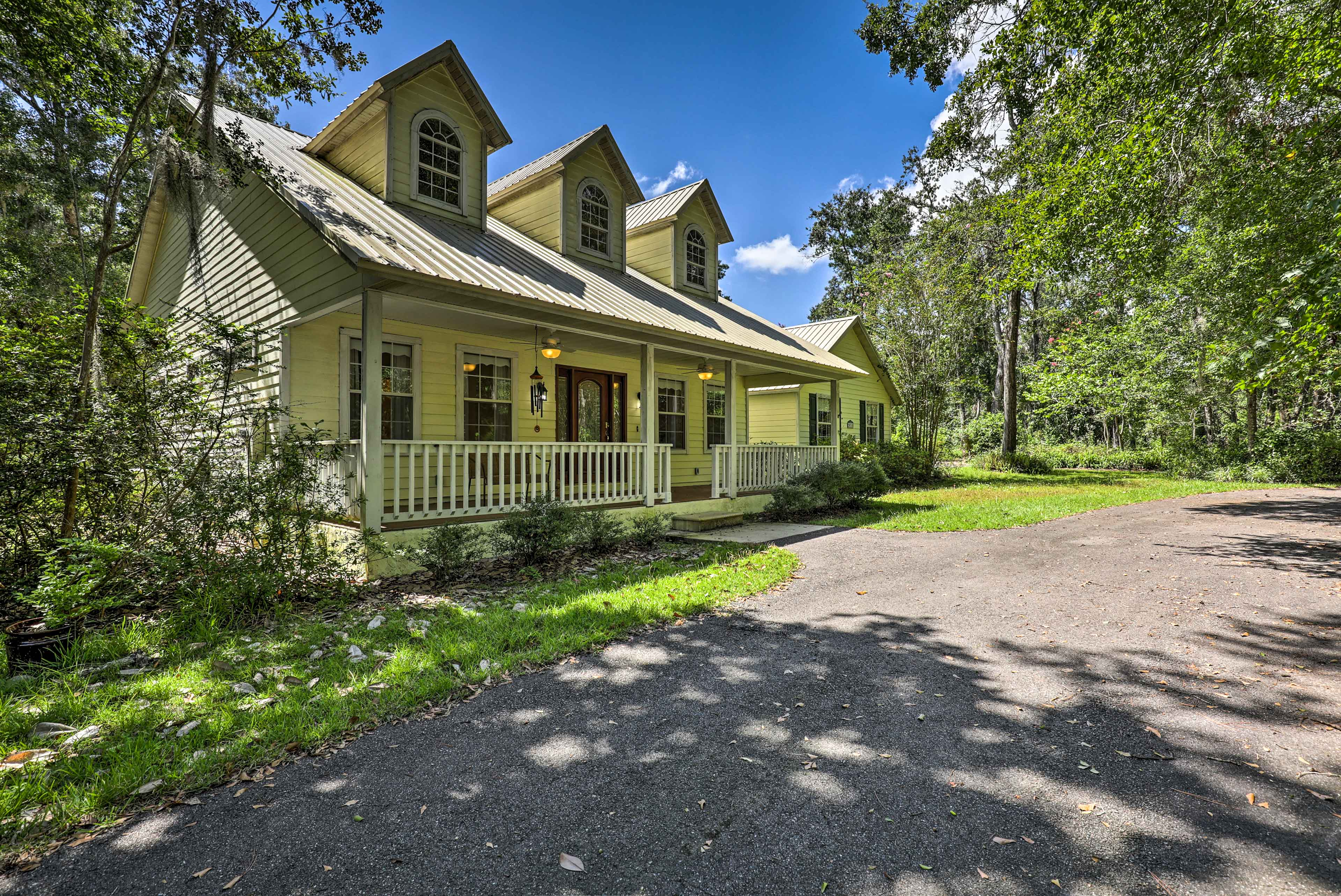 You'll love this centrally located spot nestled in a quiet neighborhood.