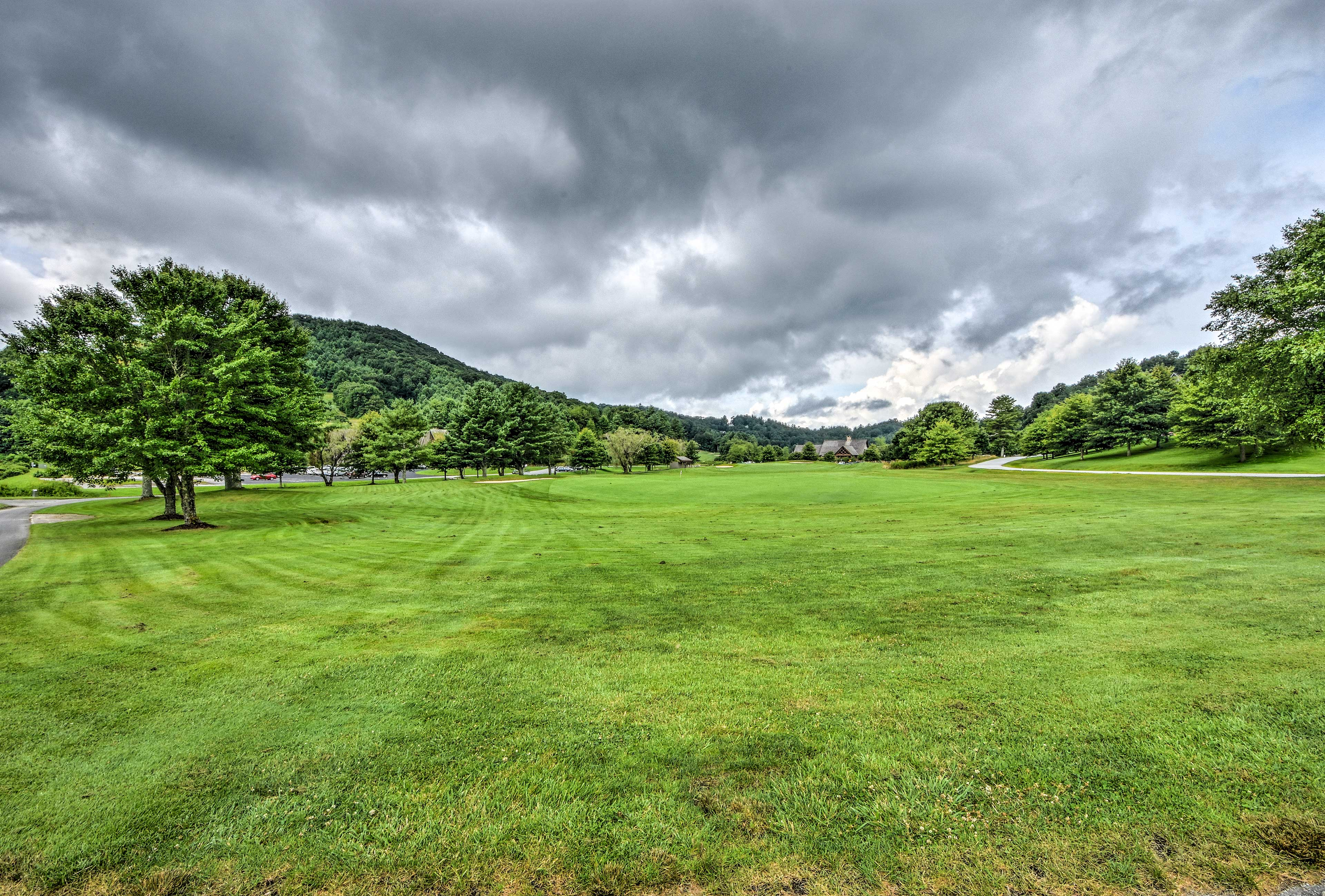The Sky Valley Golf Club is just steps away.