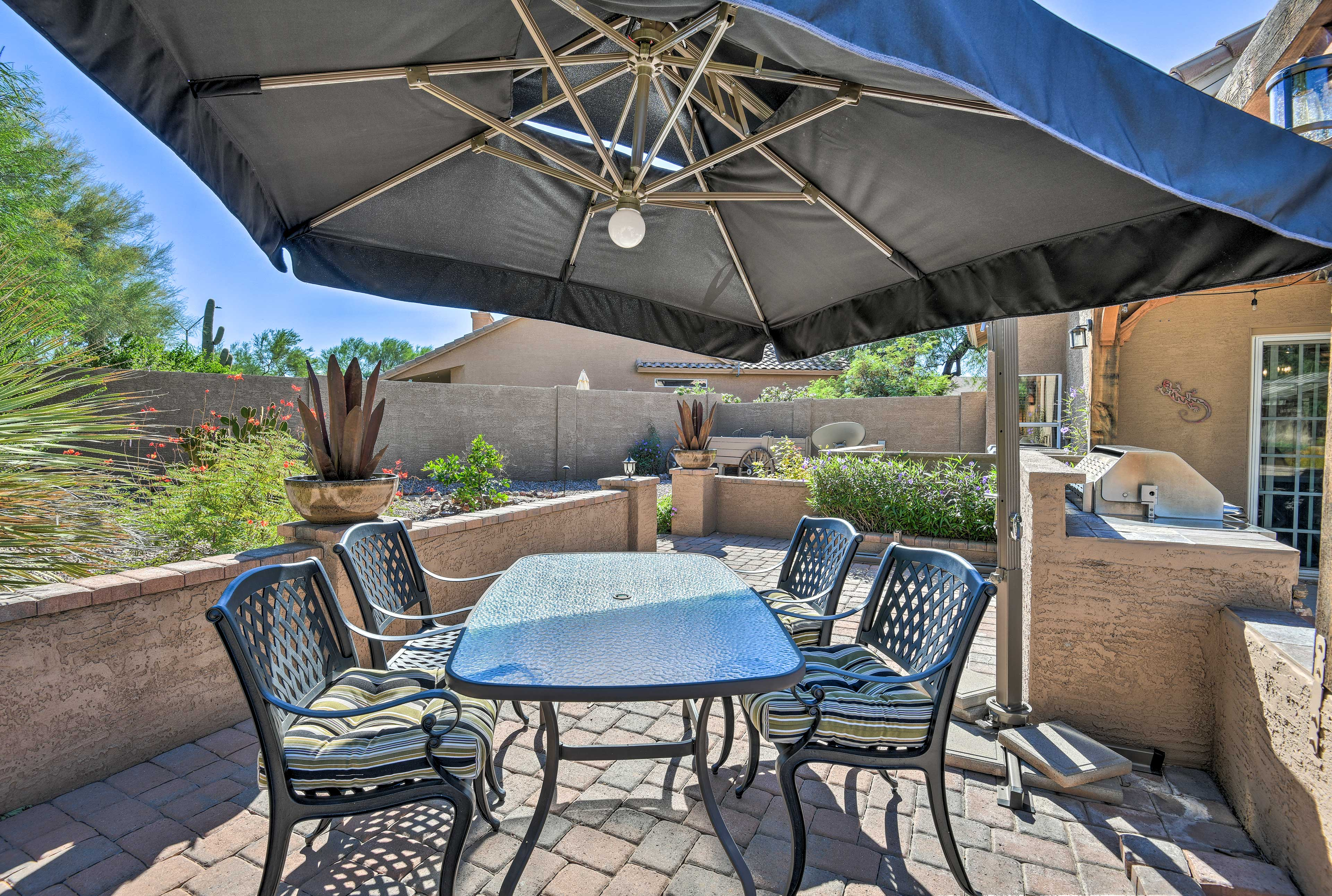 Be sure to enjoy an al fresco meal during your stay.