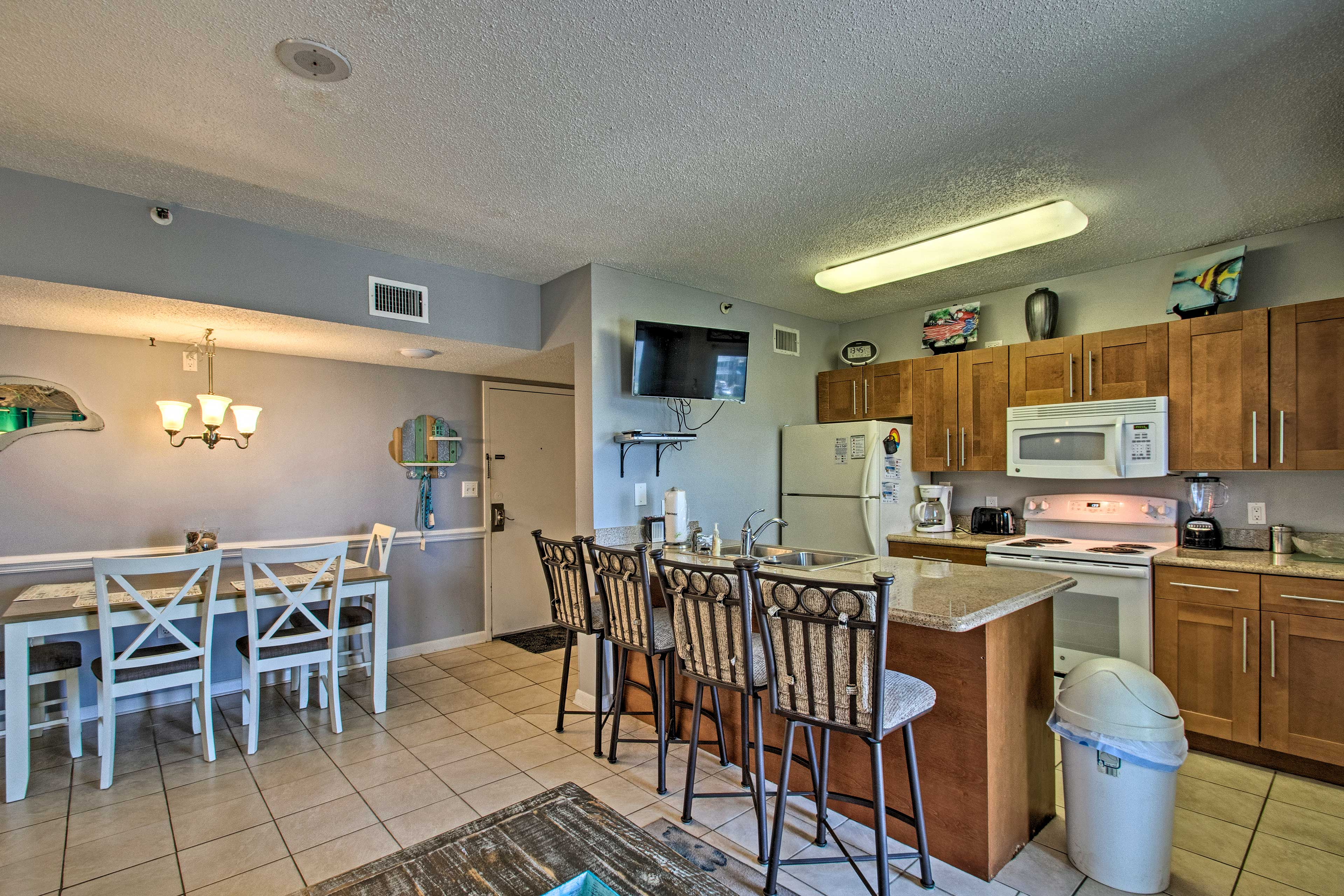 Kitchen | Fully Equipped | Cable TV