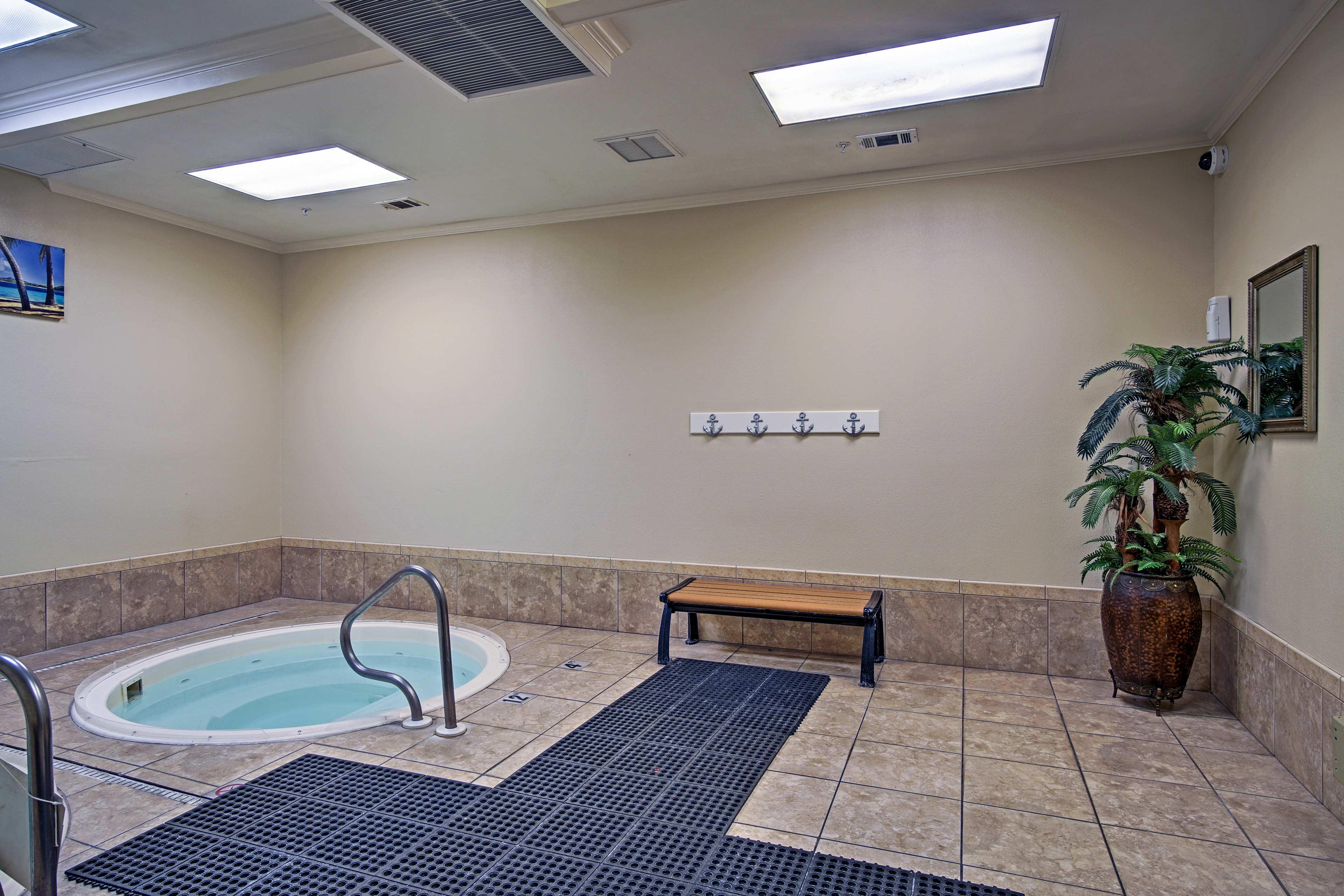 Community Amenities | Hot Tub