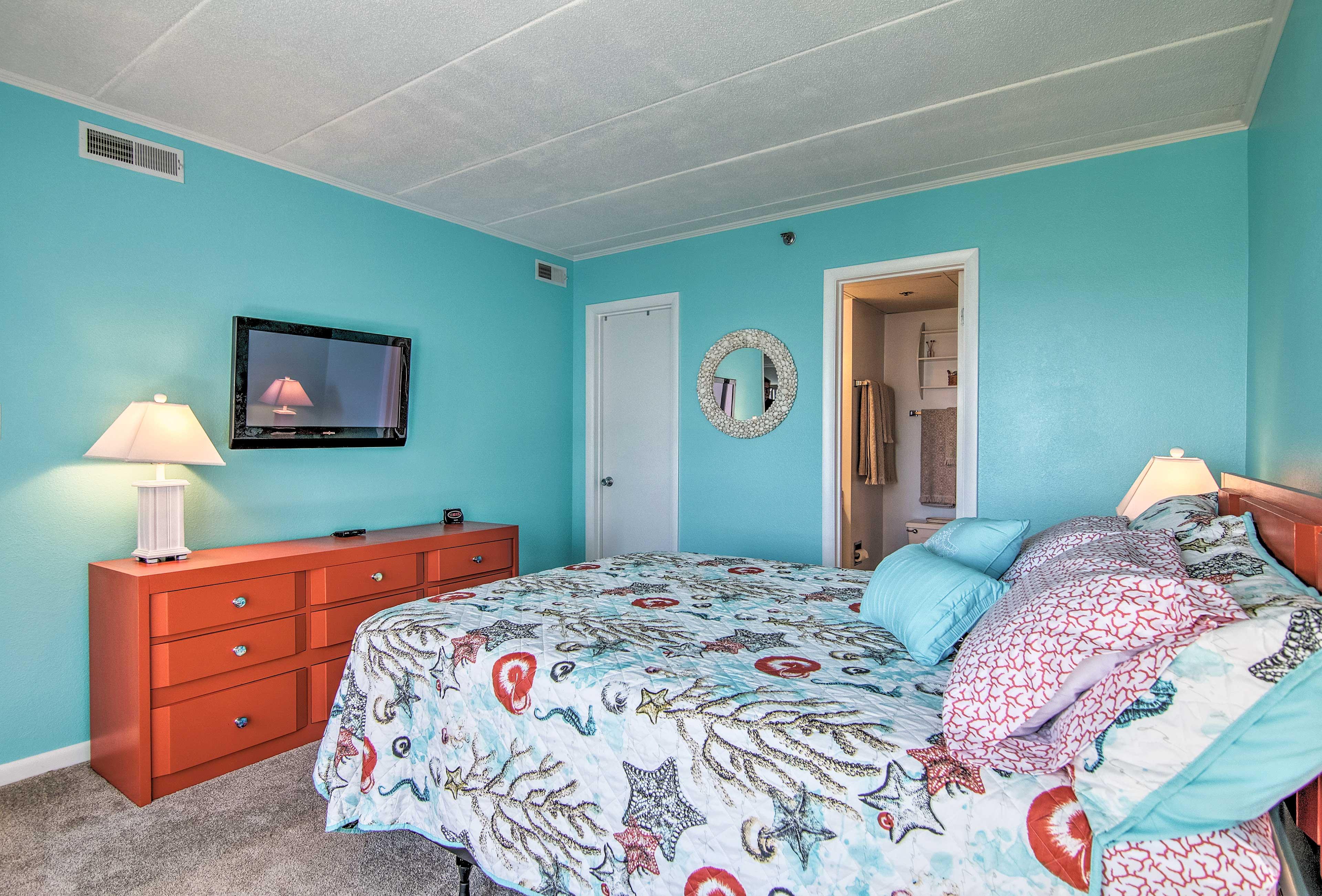 The master bedroom also includes an en-suite bathroom.