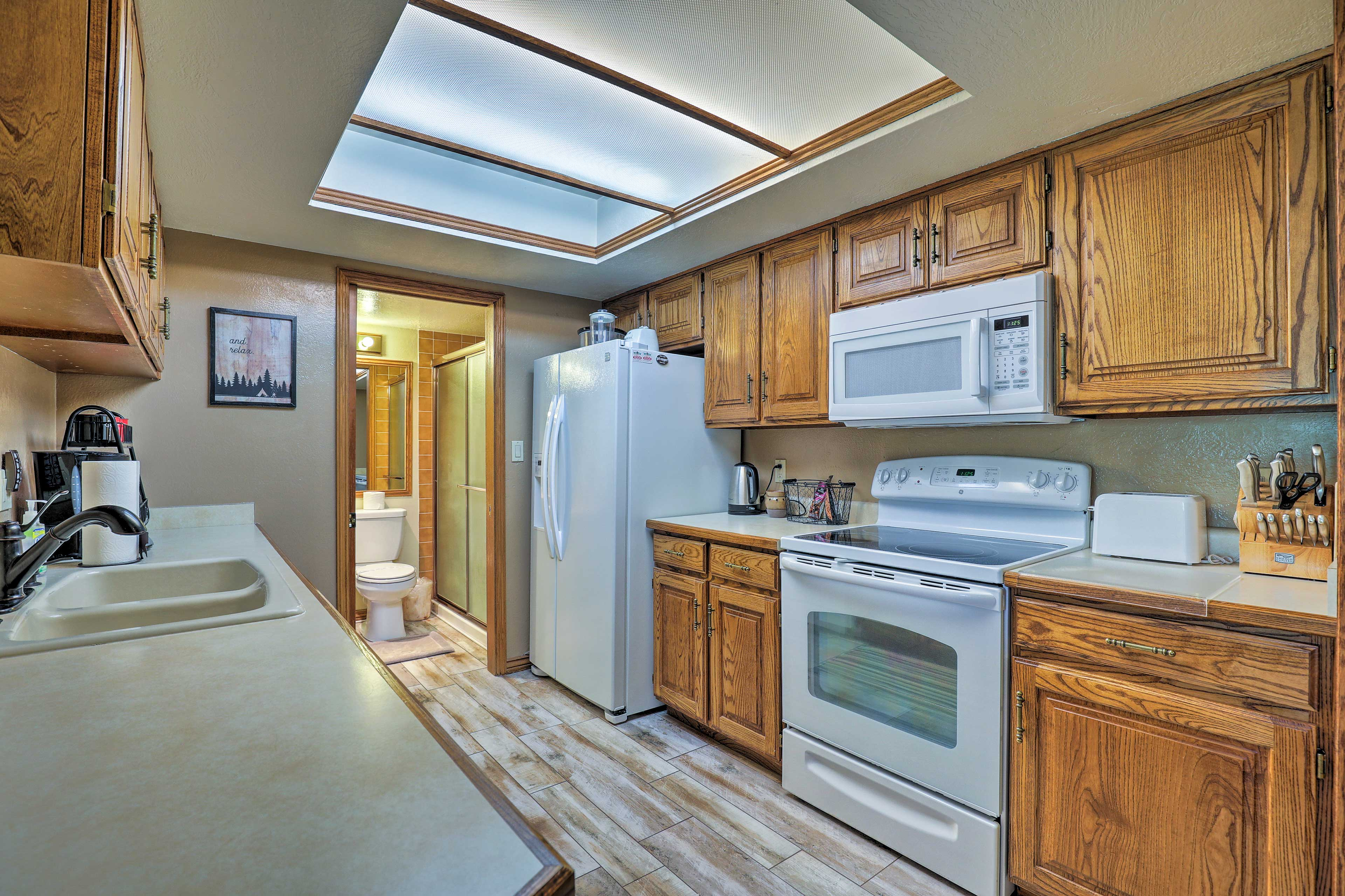Keep your family full and happy with ease in the fully equipped kitchen.