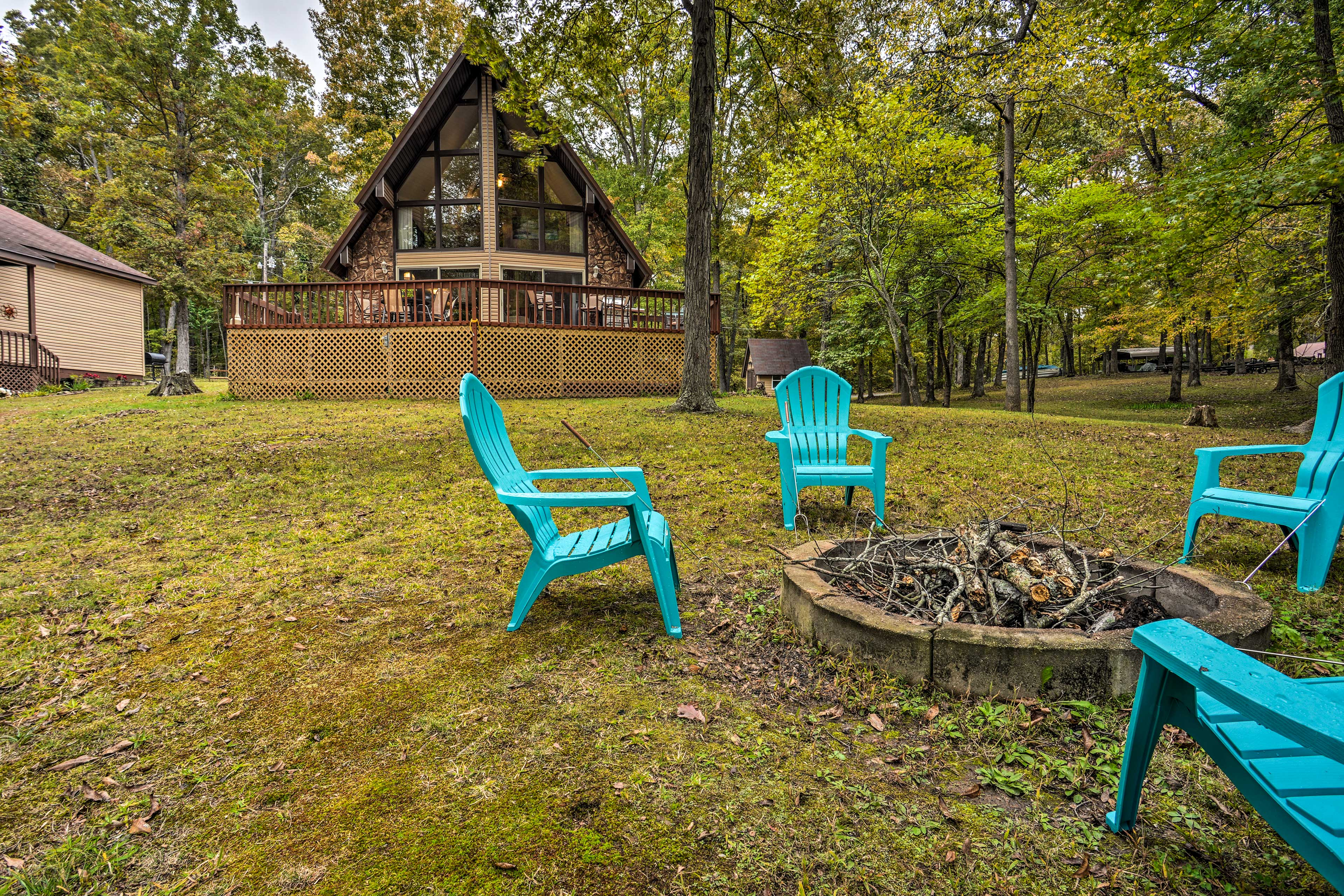 Discover the beauty of Tennessee from this vacation rental home.