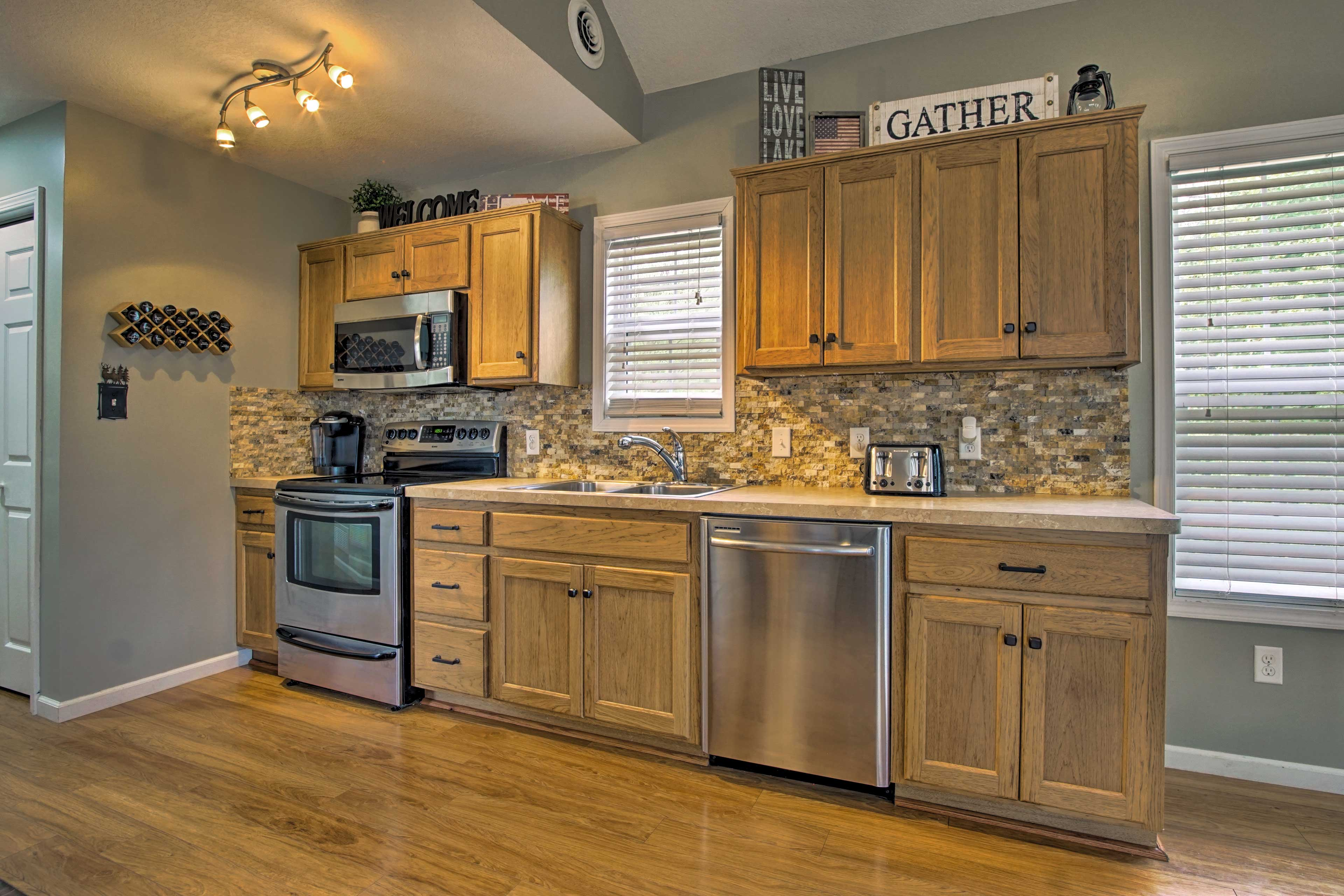 Effortlessly prepare a home-cooked meal with stainless steel appliances.