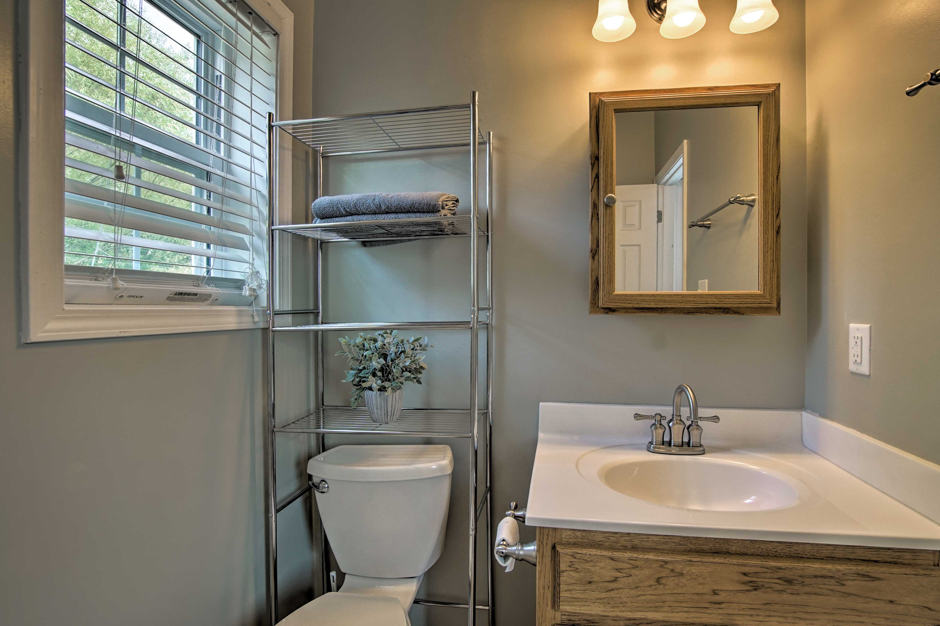The 2 bathrooms offer abundant space to get ready!