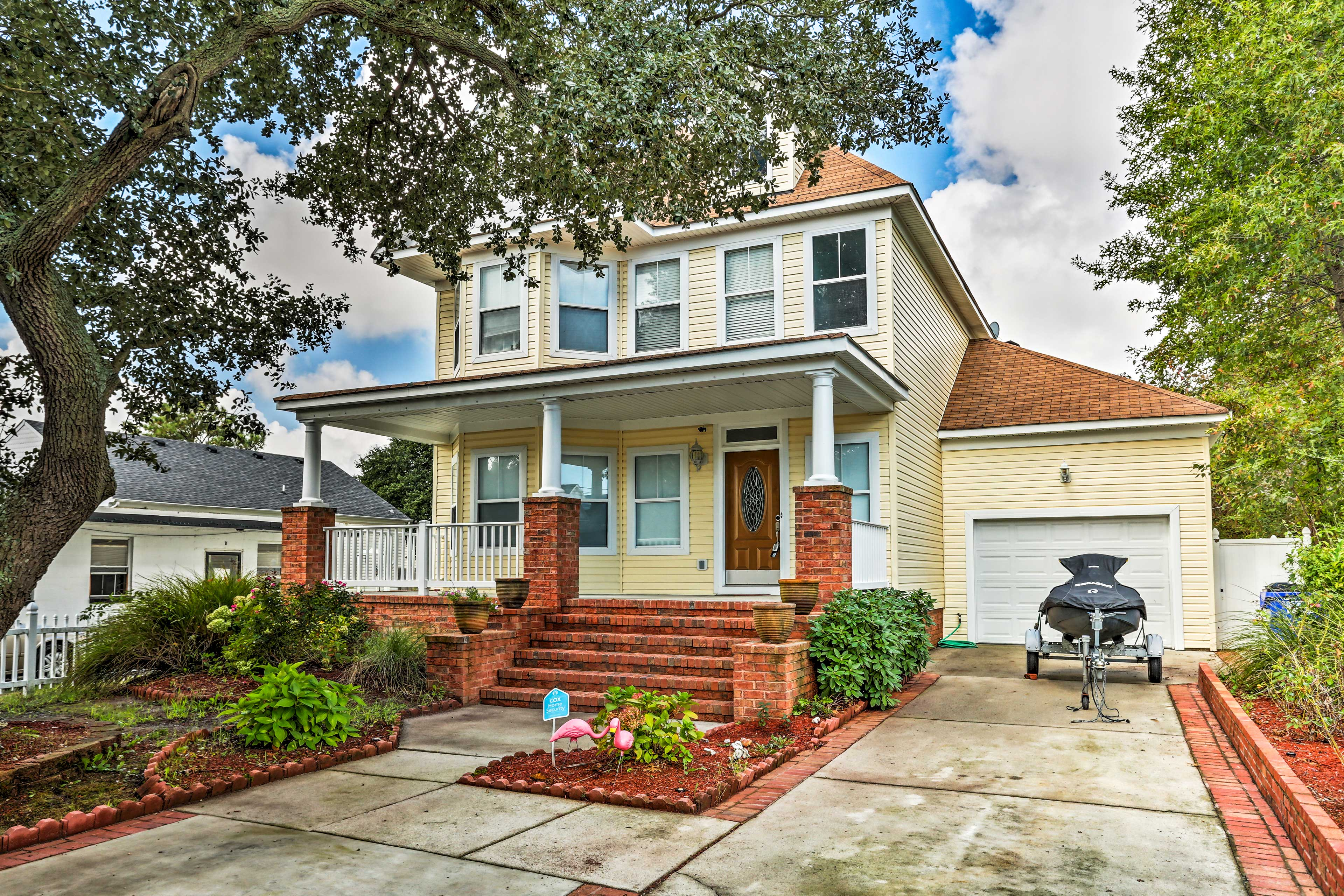 This Norfolk vacation rental sits just a short walk from the beach!