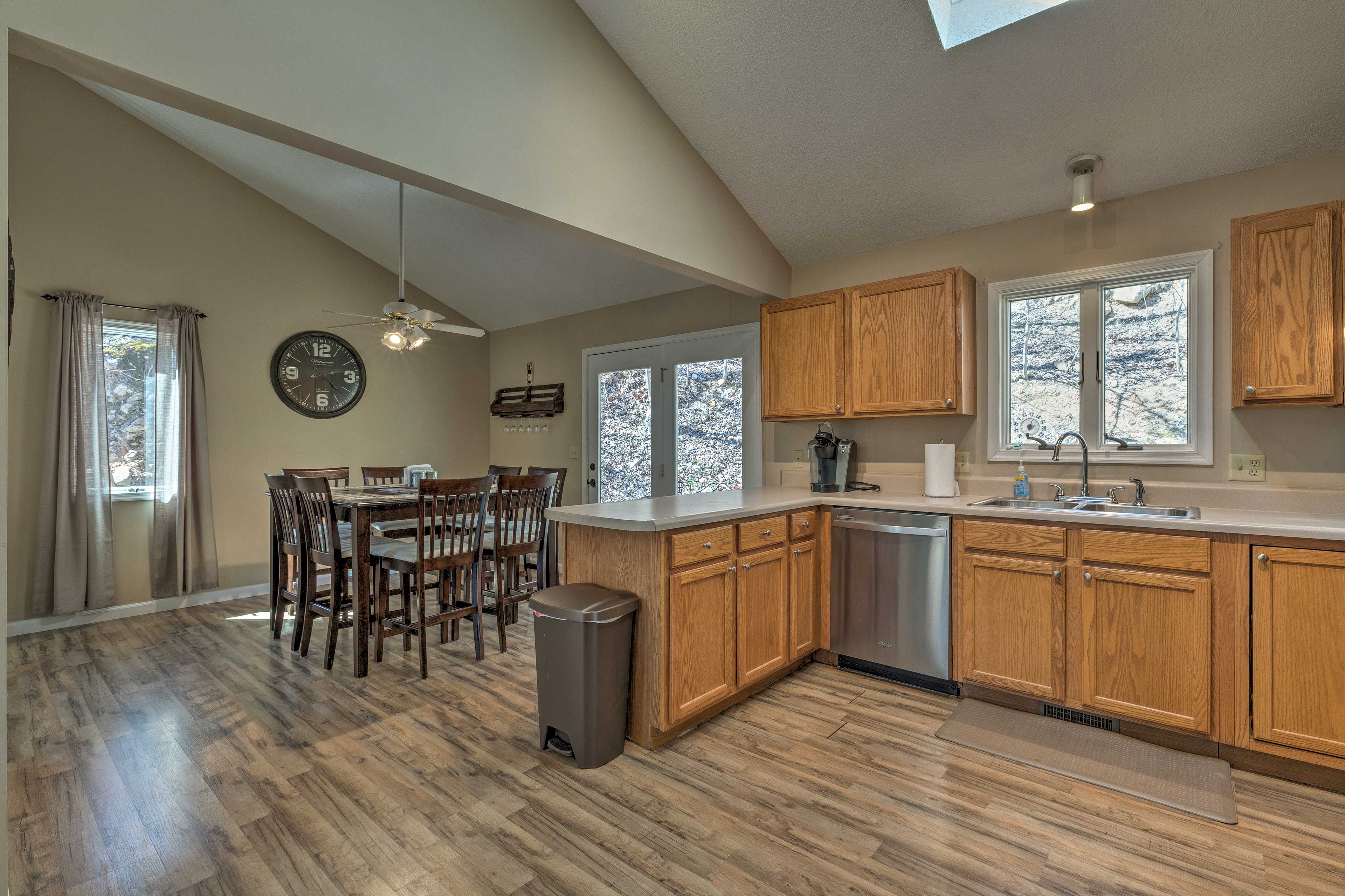 The dining area flows into the kitchen!