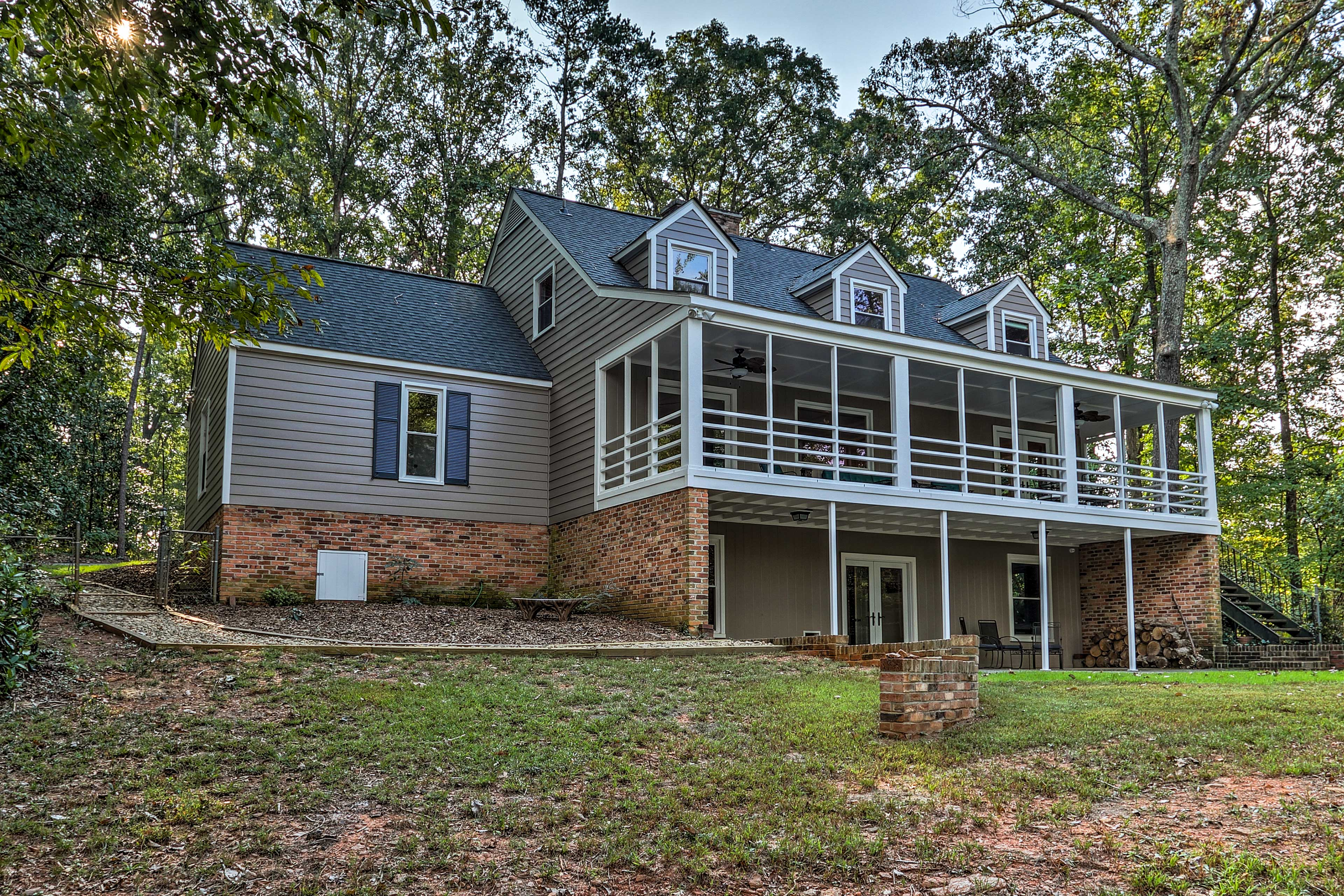 Anderson Vacation Rental   5BR   5BA   2 Stories   Stairs Required