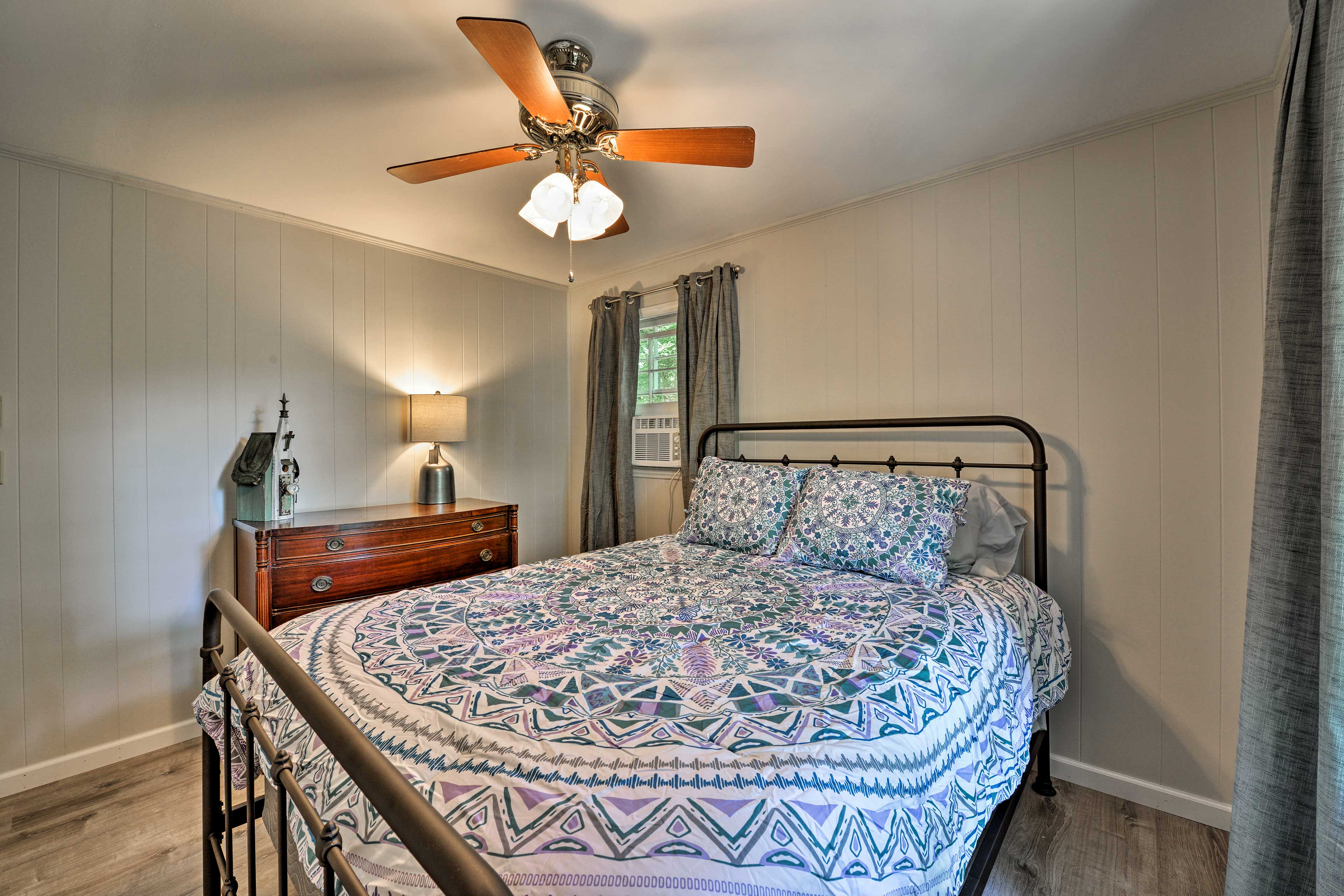 Sink into the queen-sized bed in the first bedroom.