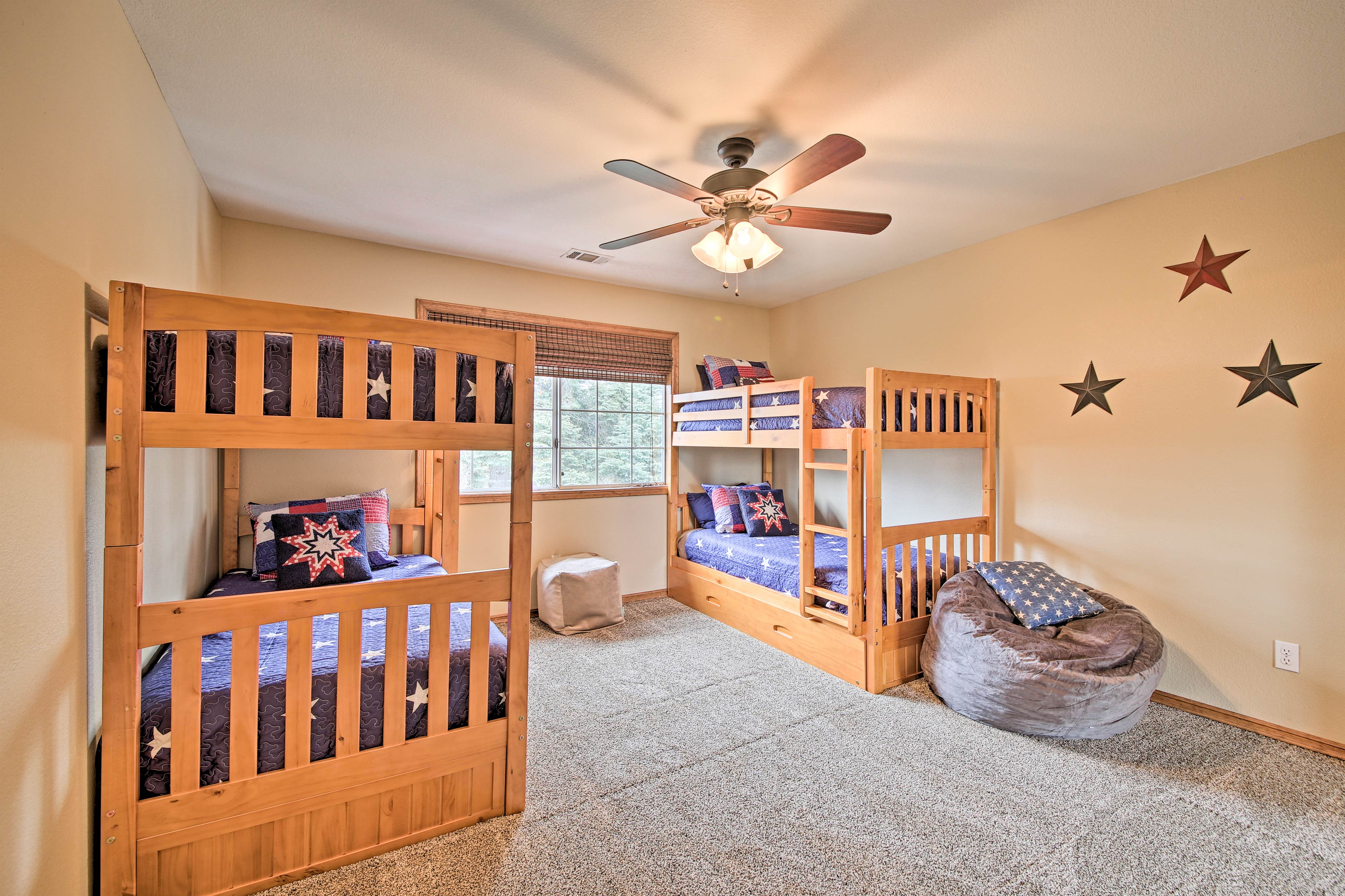 Bedroom 4   2 Twin Bunk Beds w/ 2 Twin Trundle Beds