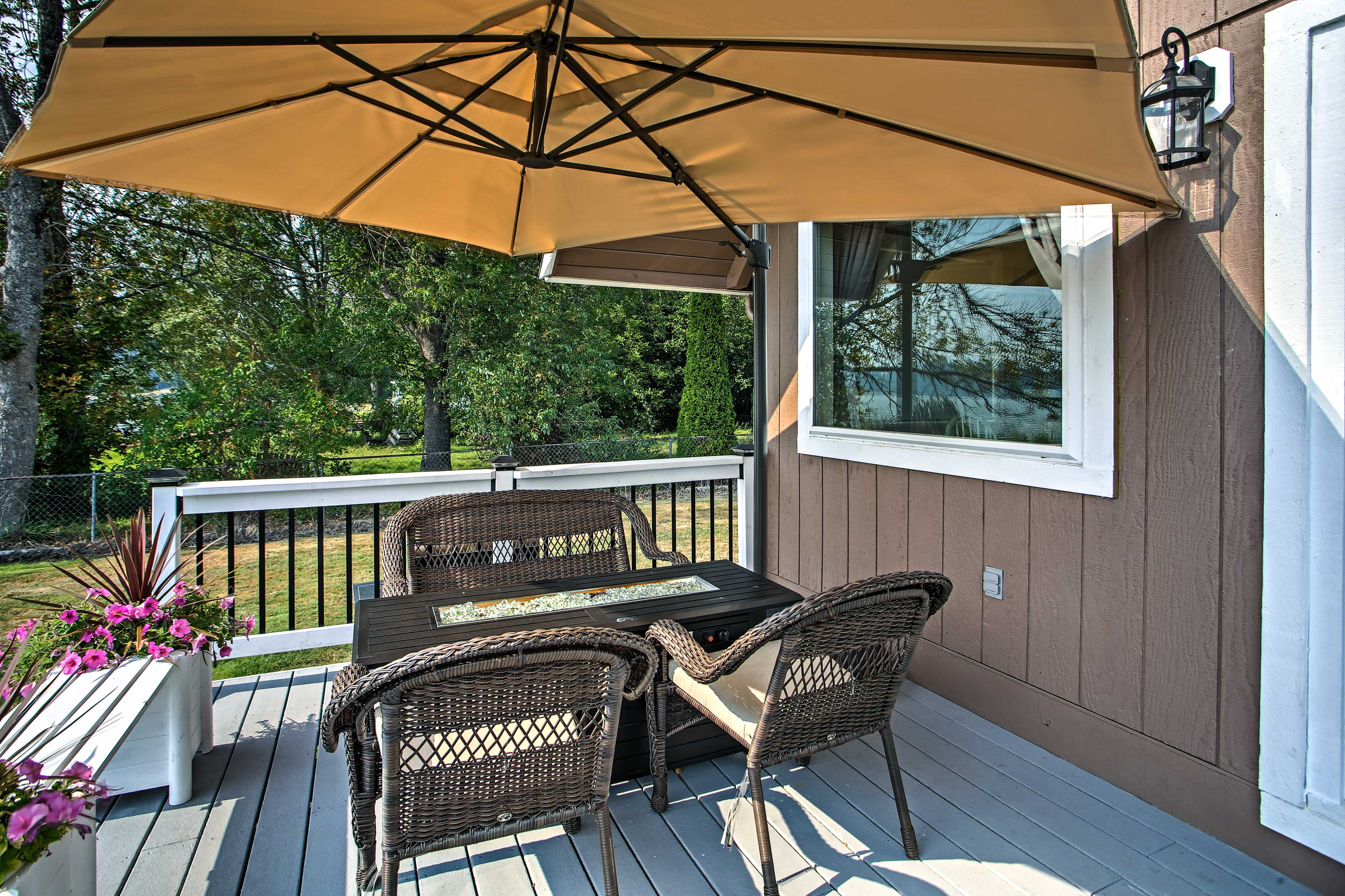 Private Back Deck | Gas Fire Pit