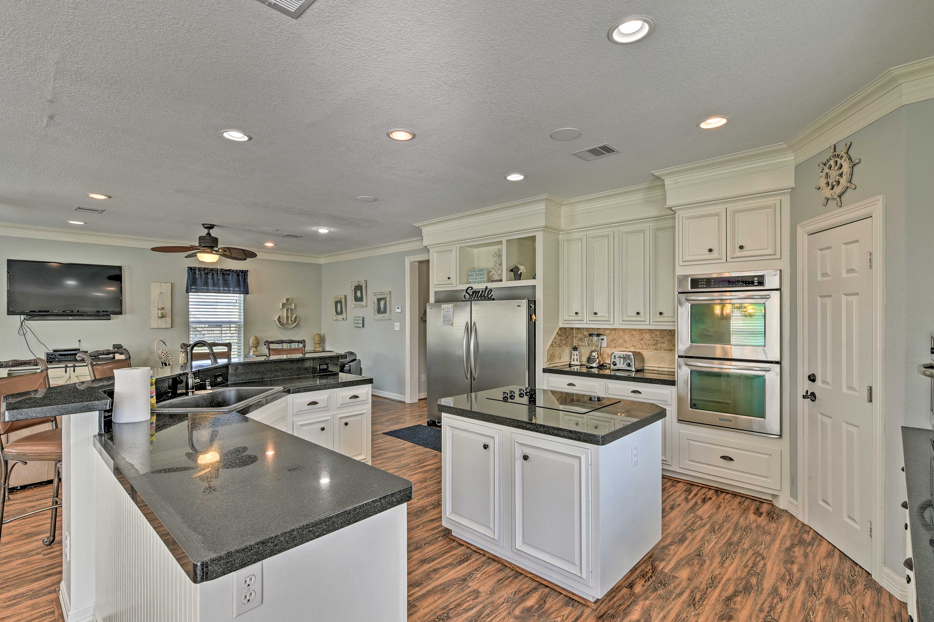 Kitchen | Stainless Steel Appliances | Cooking Basics Provided
