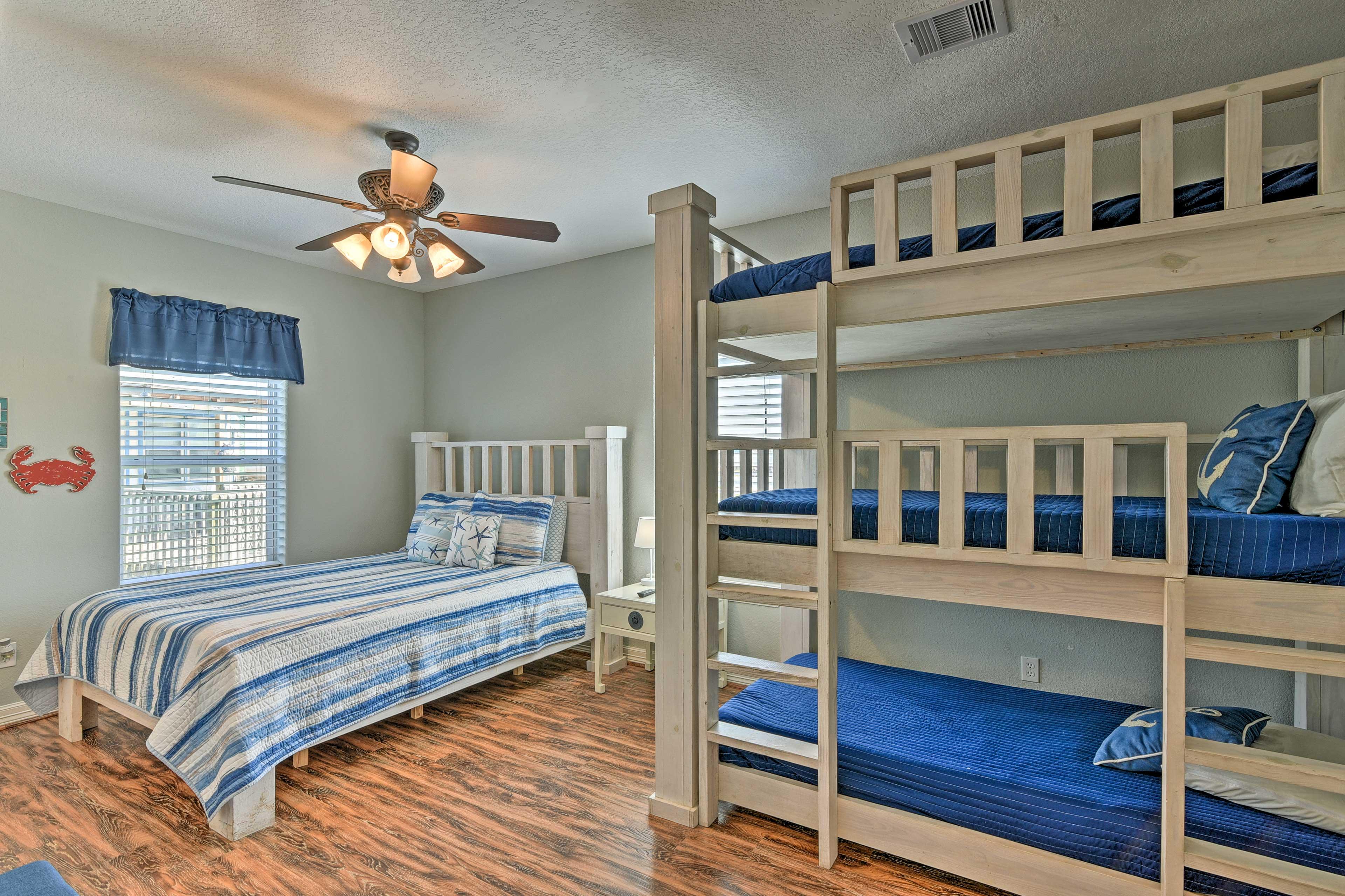 Bedroom 2 | Queen Bed, Twin/Twin/Twin Bunk Bed