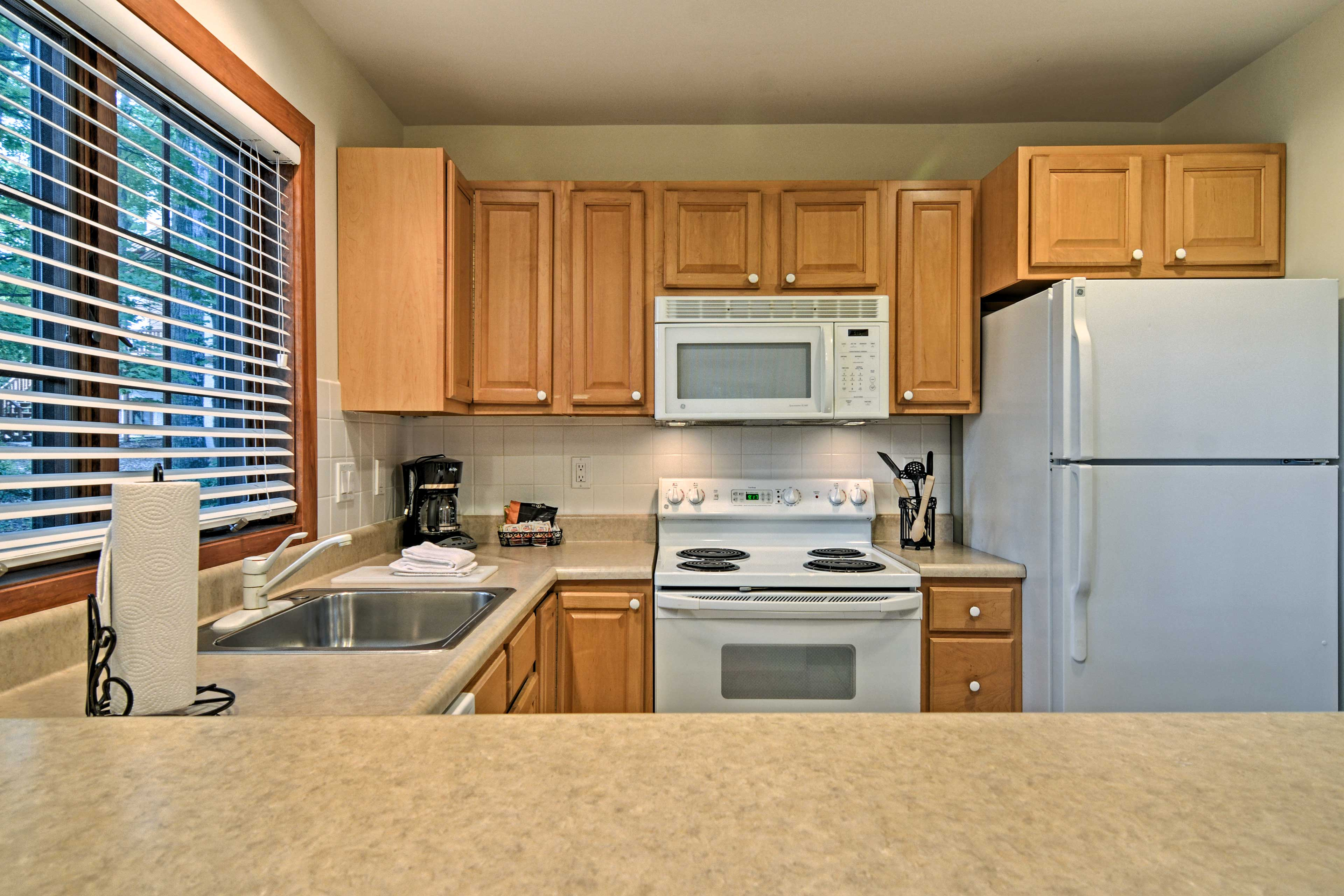 Whip up your family's favorite dish in this fully equipped kitchen!