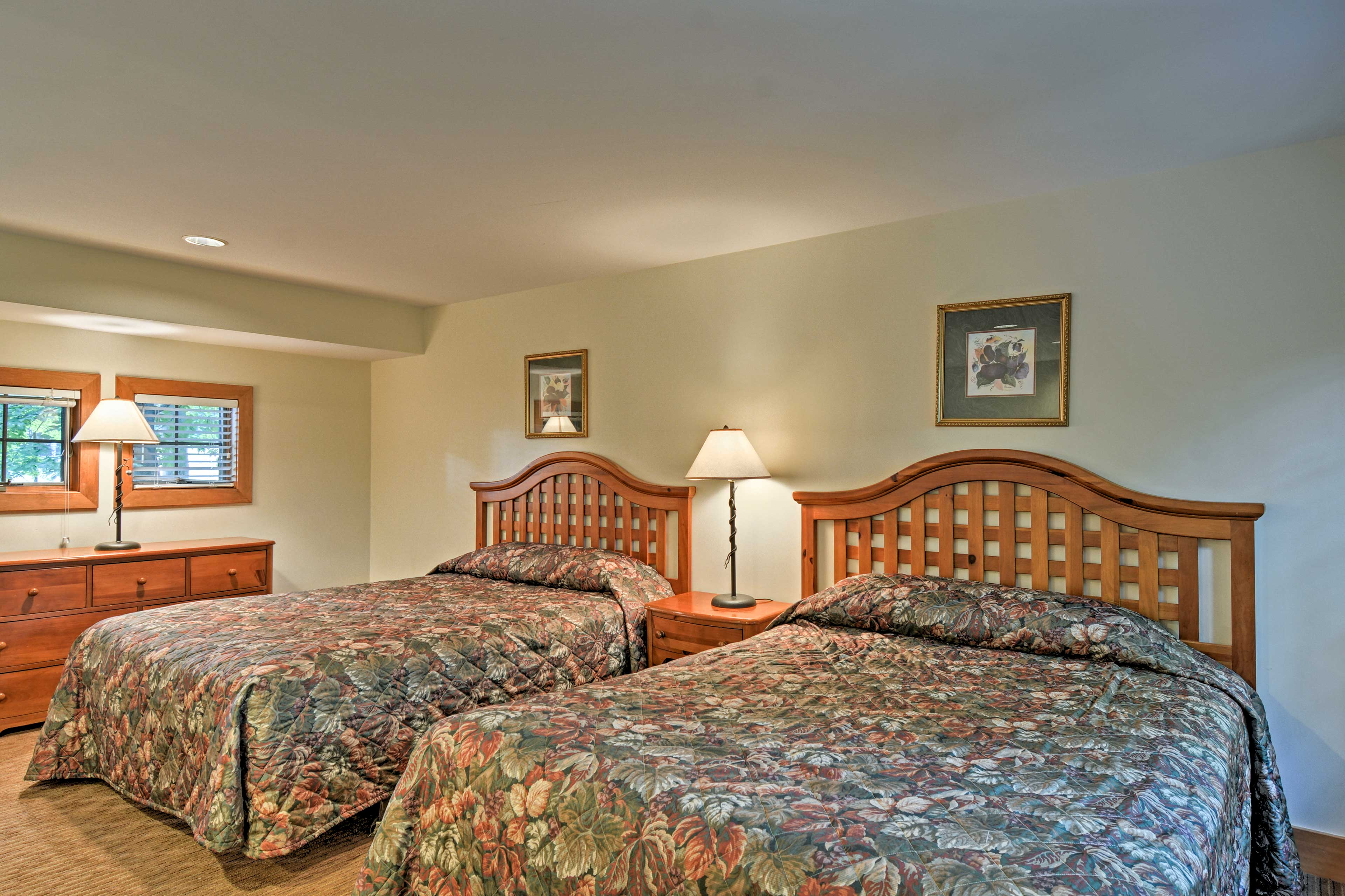The loft features 2 more queen-sized beds.