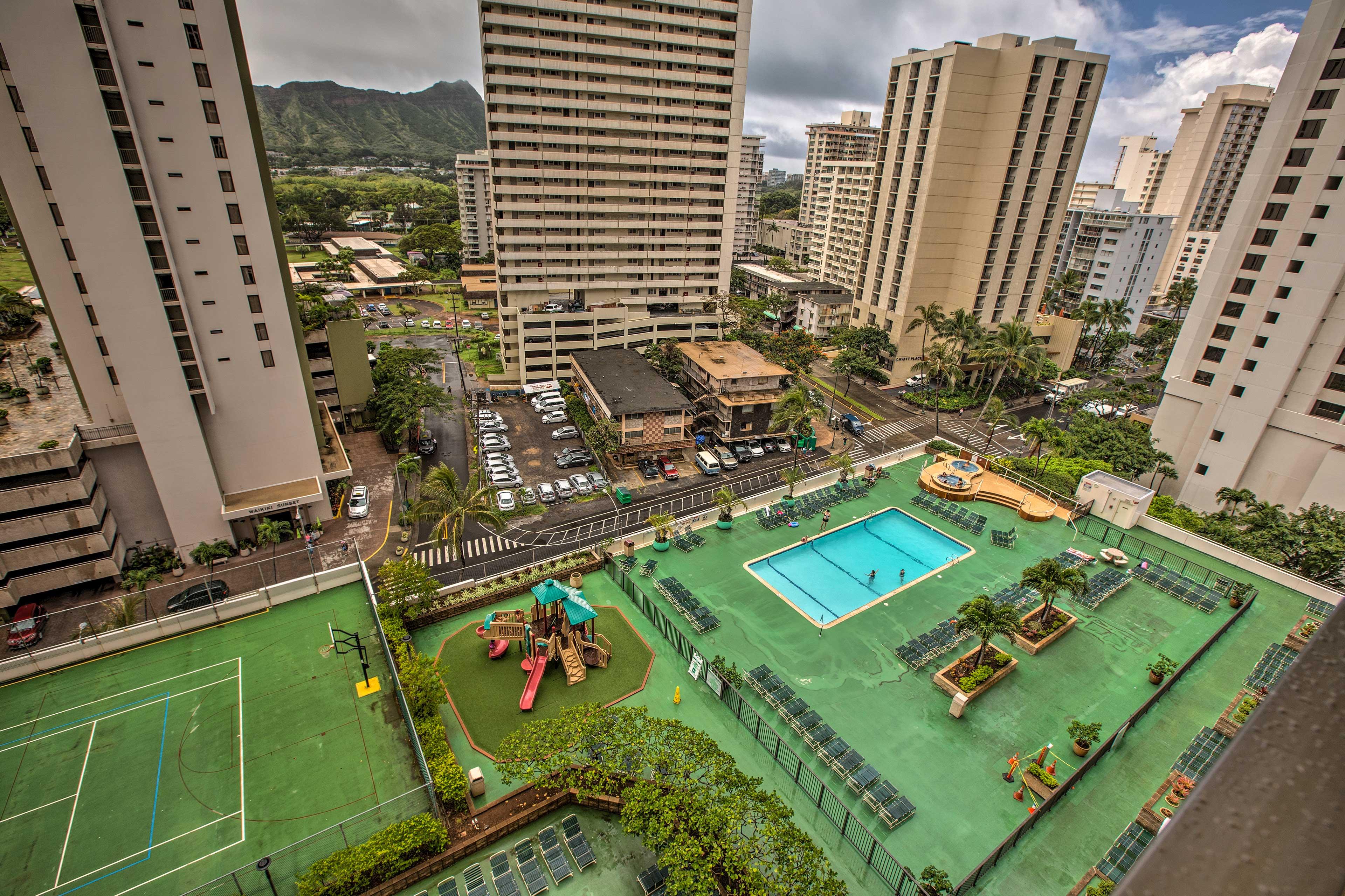 Enjoy access to the abundant amenities of Waikiki Banyan.