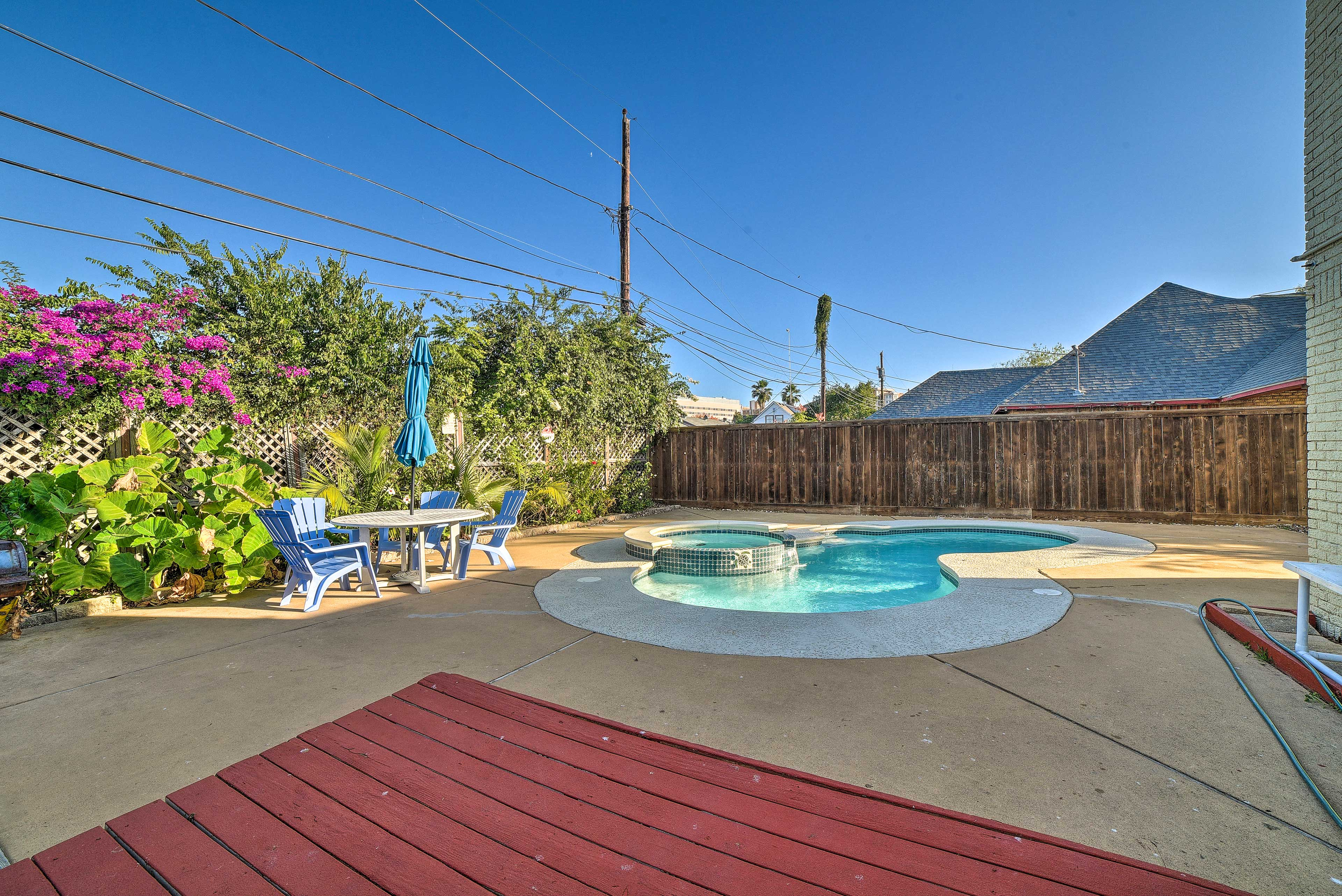 Backyard   Private Pool   Deck