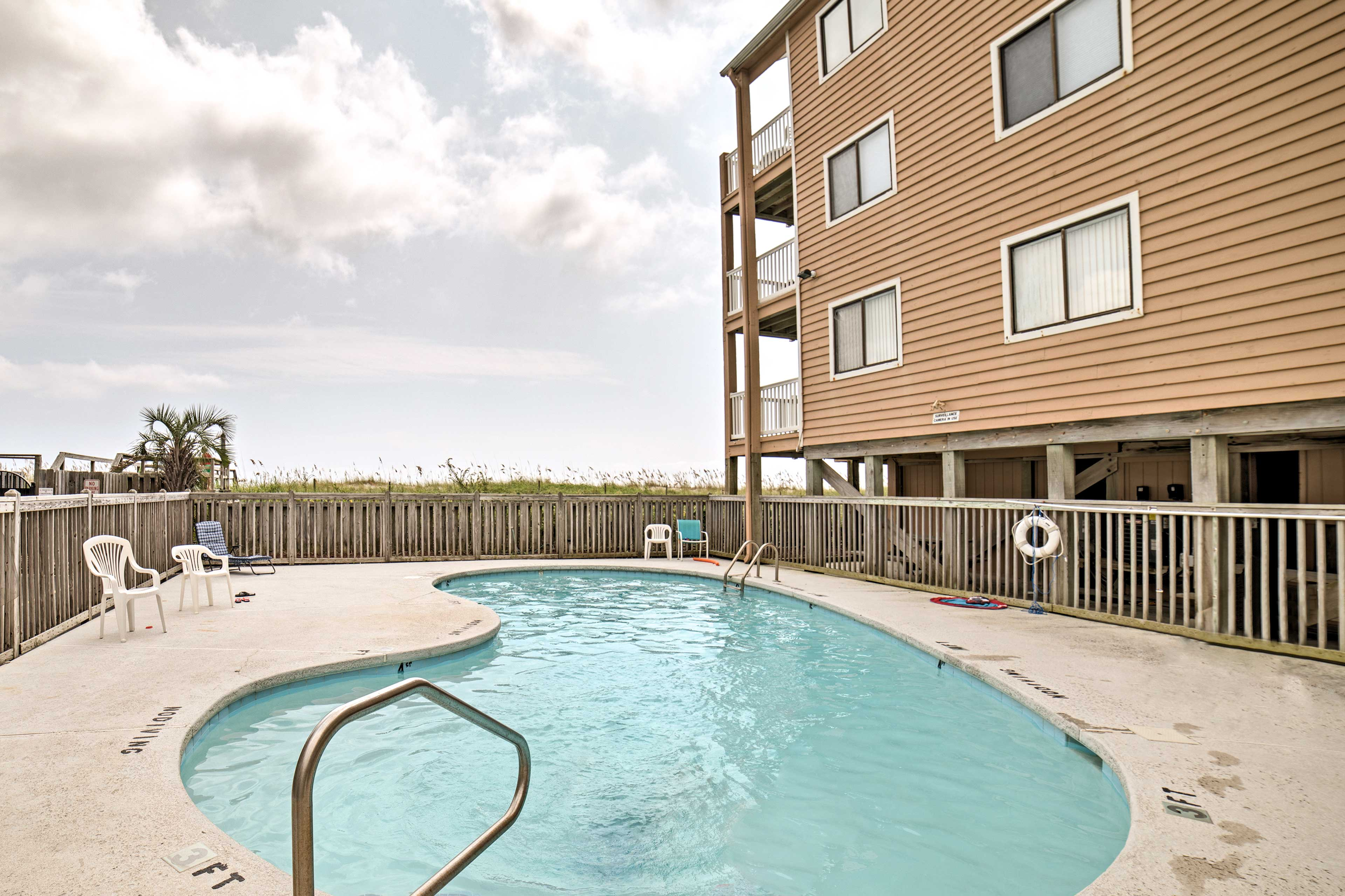 Enjoy access to the community pool, along with instant beach access!
