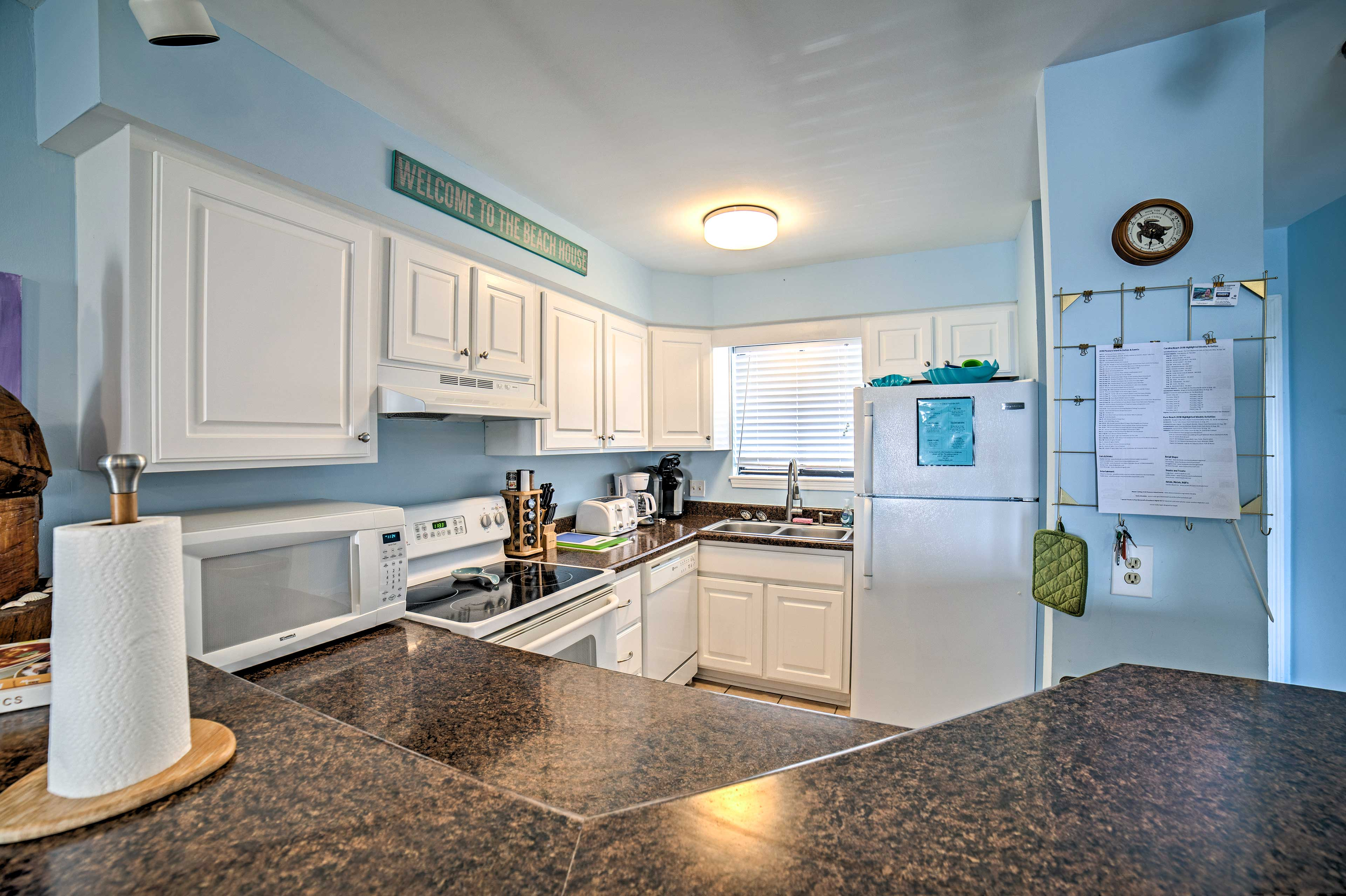 The kitchen comes fully equipped to meet all of your home-cooking needs.