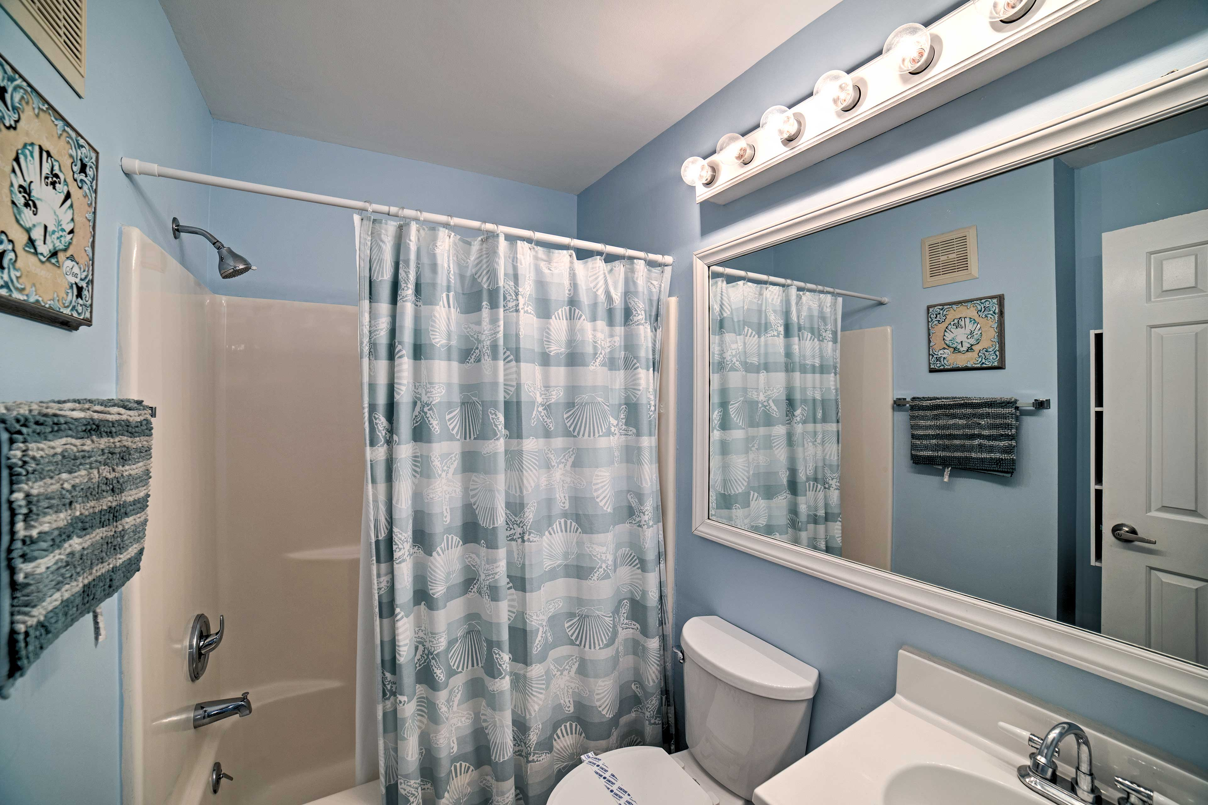 Both of the full bathrooms come stocked with fresh towels.