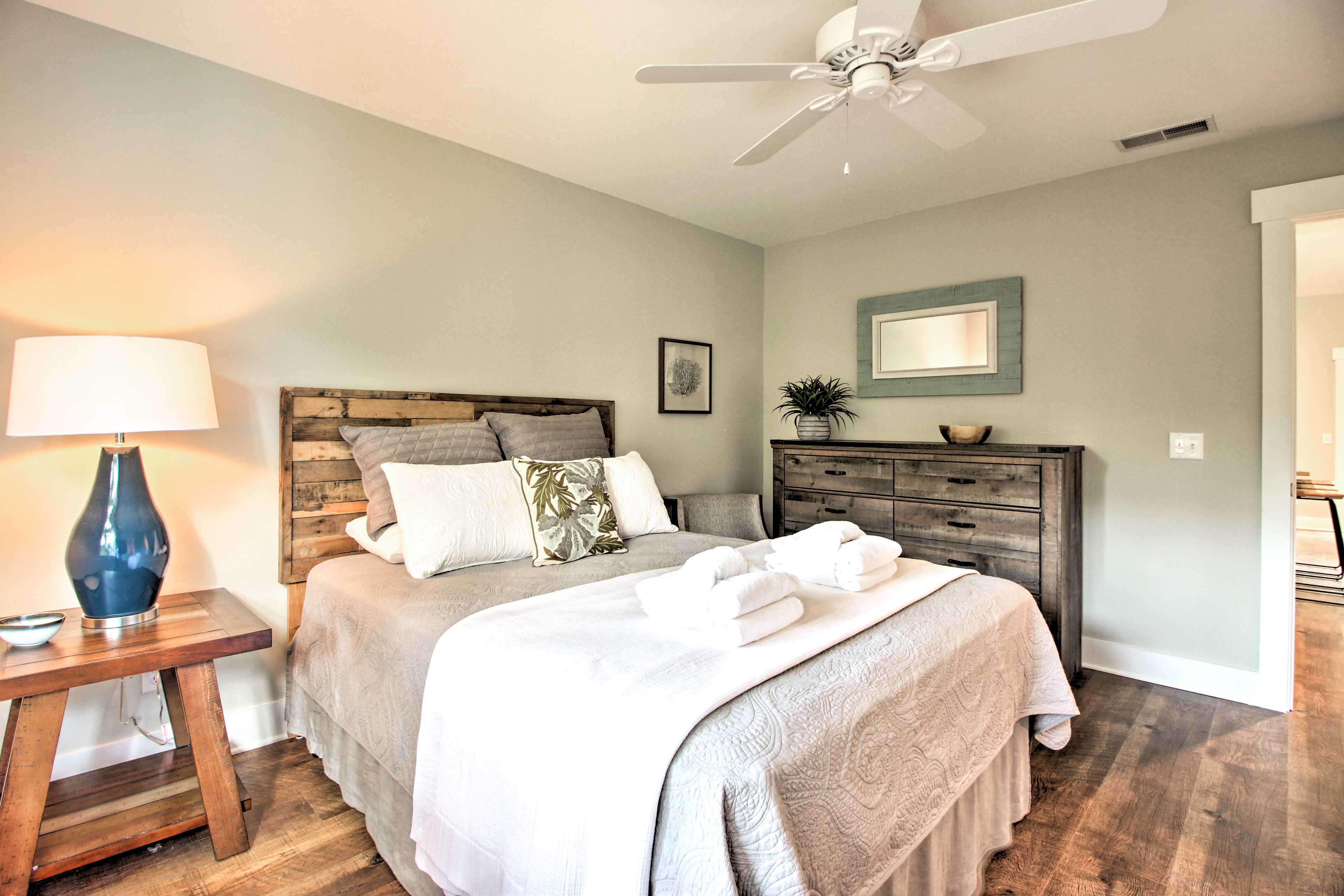 This condo features 1 beautiful bedroom.