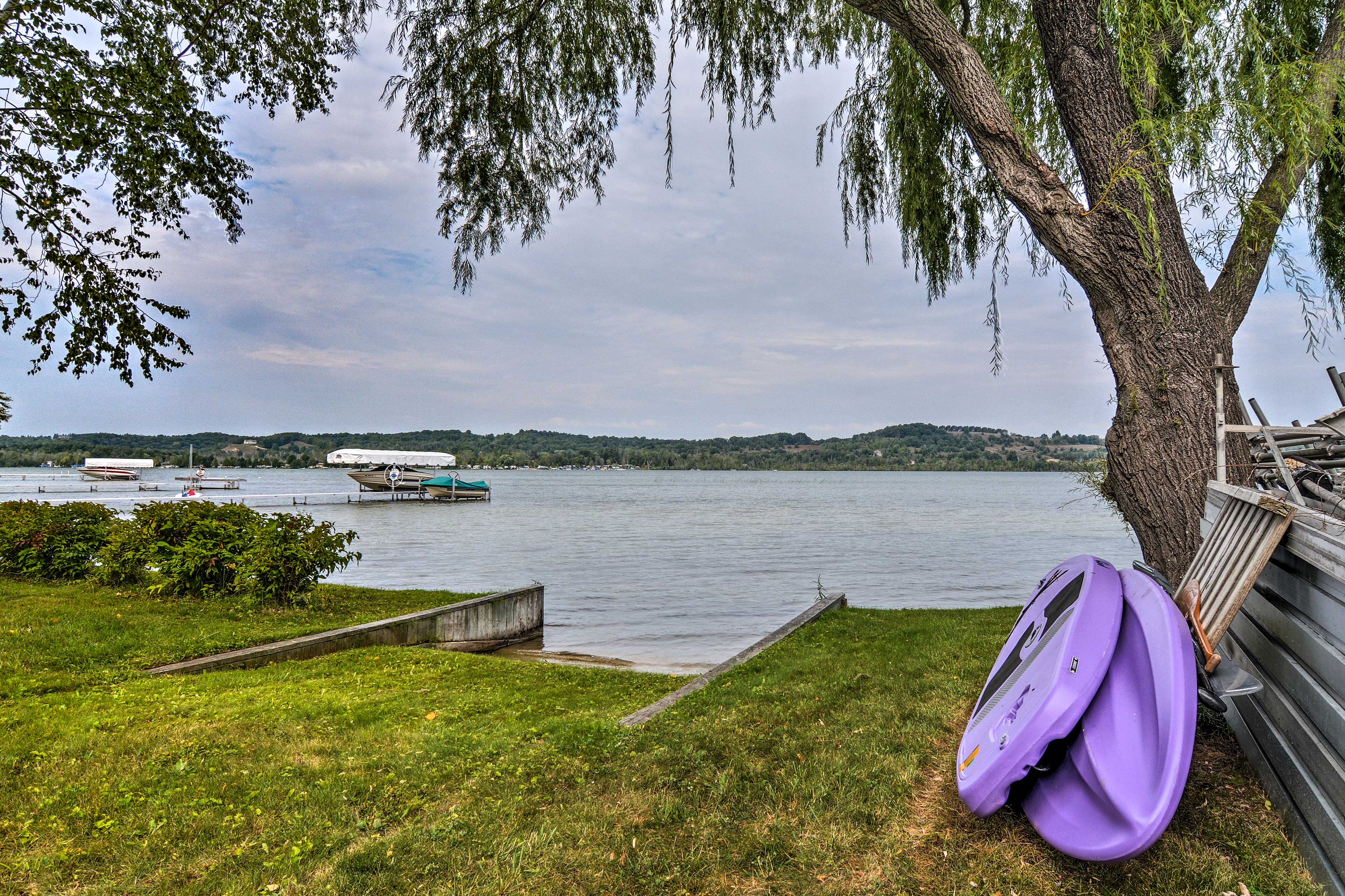 There are 2 paddle boards and a small boat launch along the 150-foot shoreline.