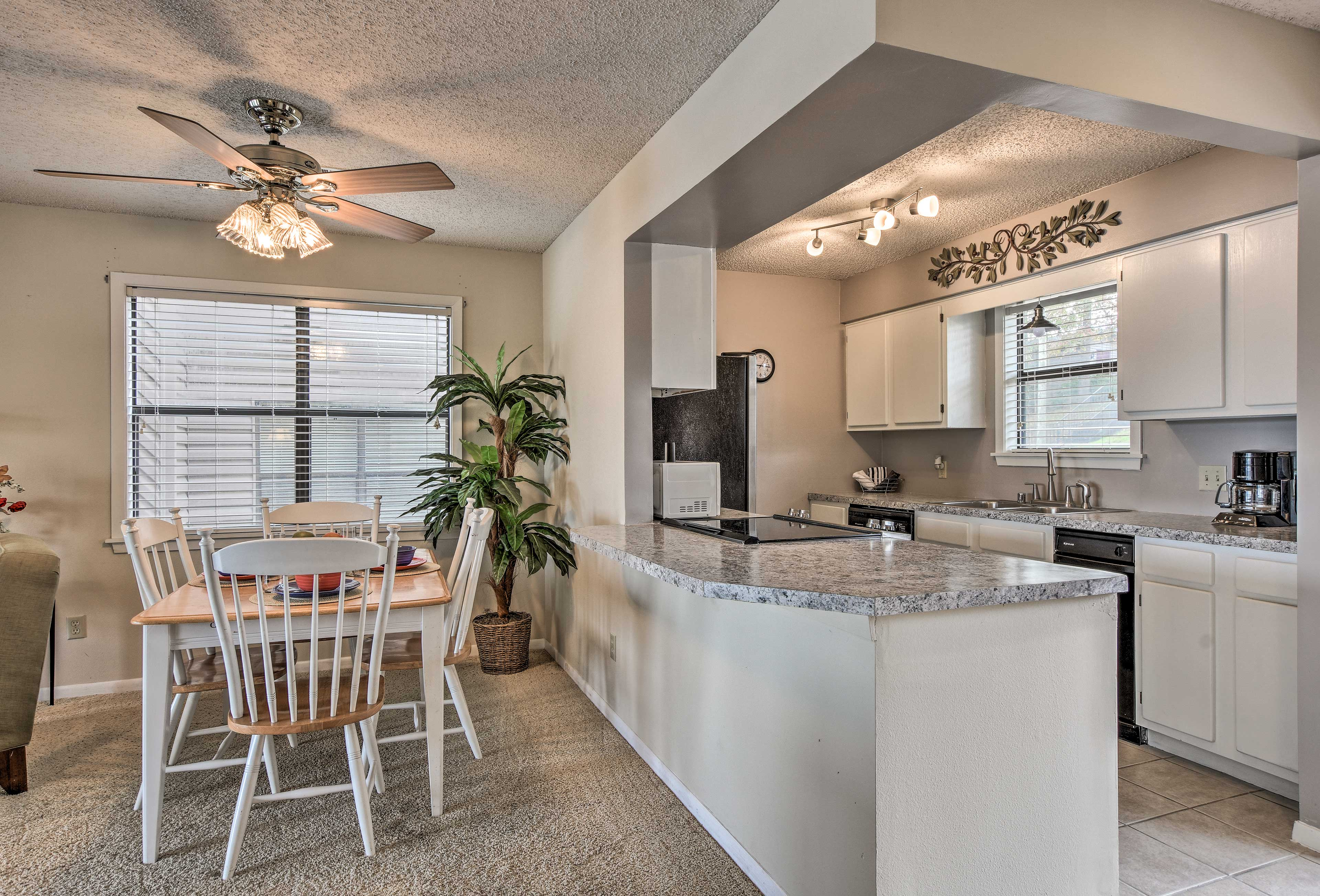 Try new restaurants or prepare meals in the fully equipped kitchen.