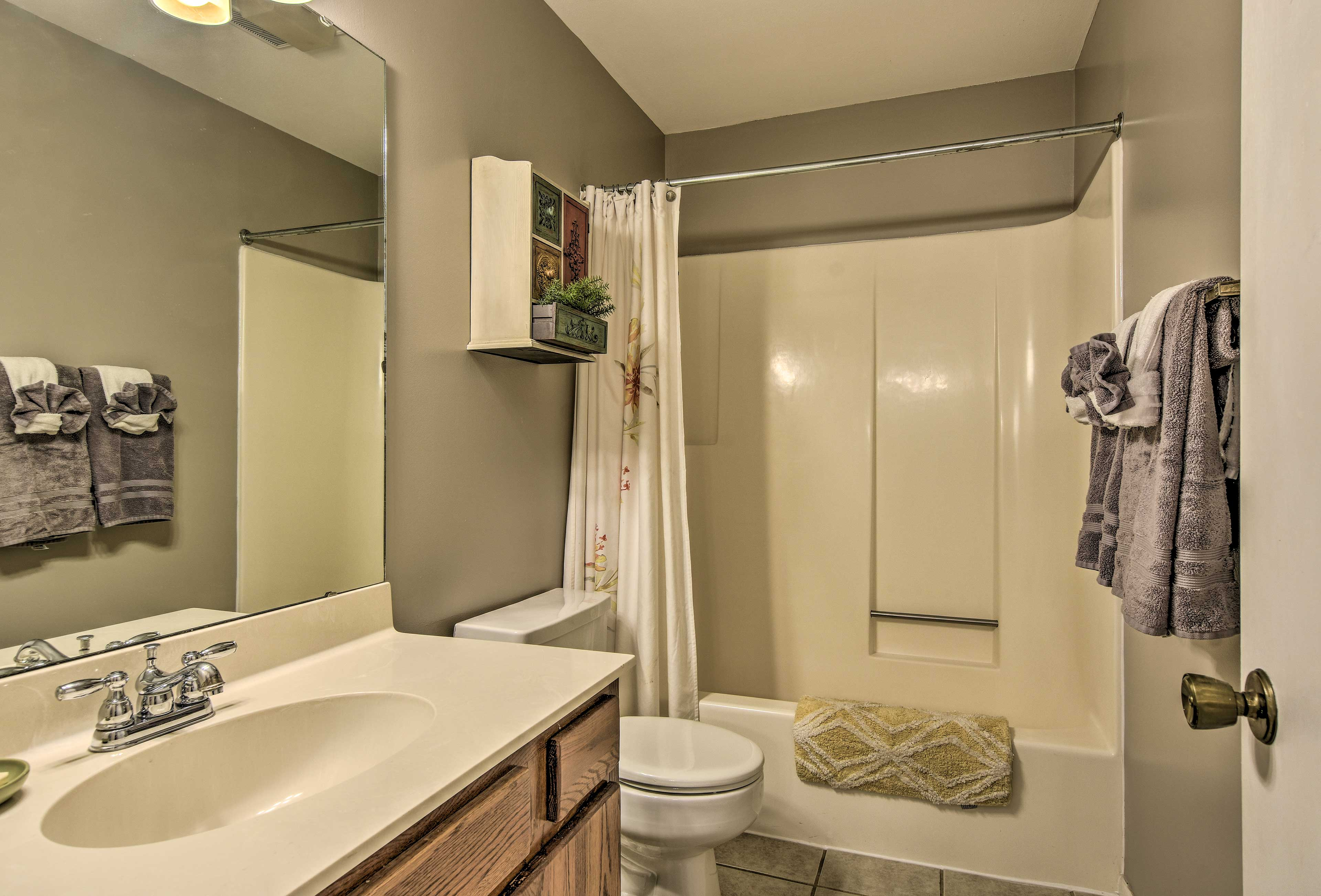 With 2 bathrooms, there's no reason to fight over space to get ready.