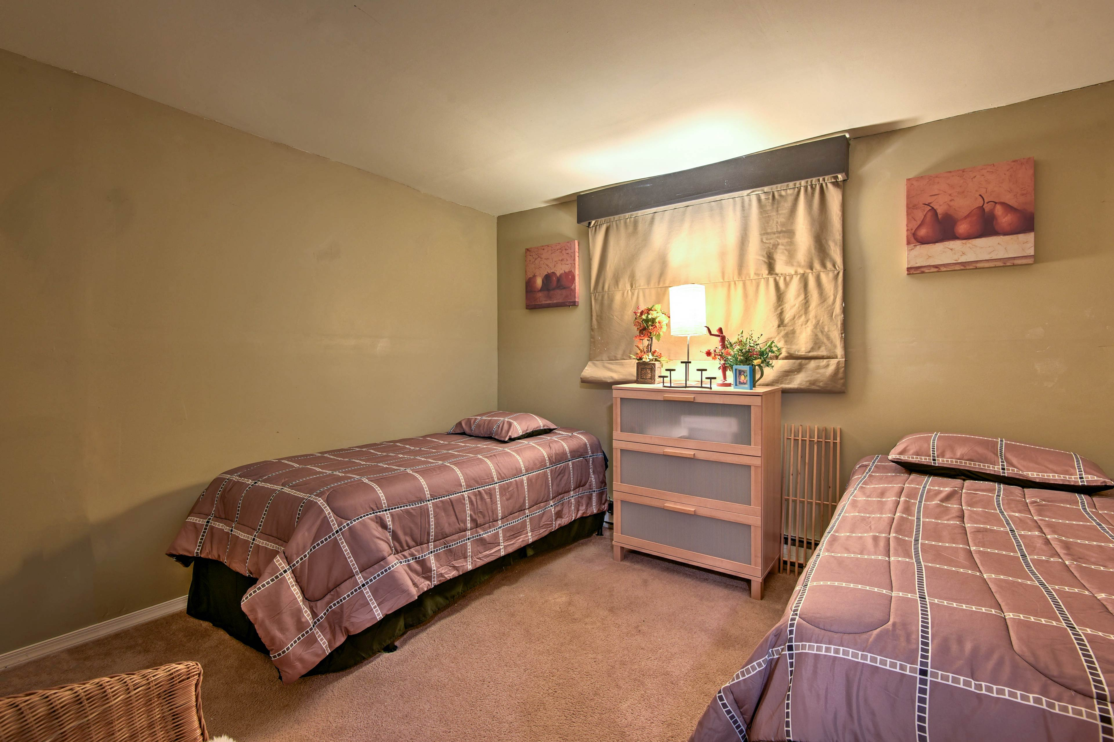 The additional 2 bedrooms feature twin beds.