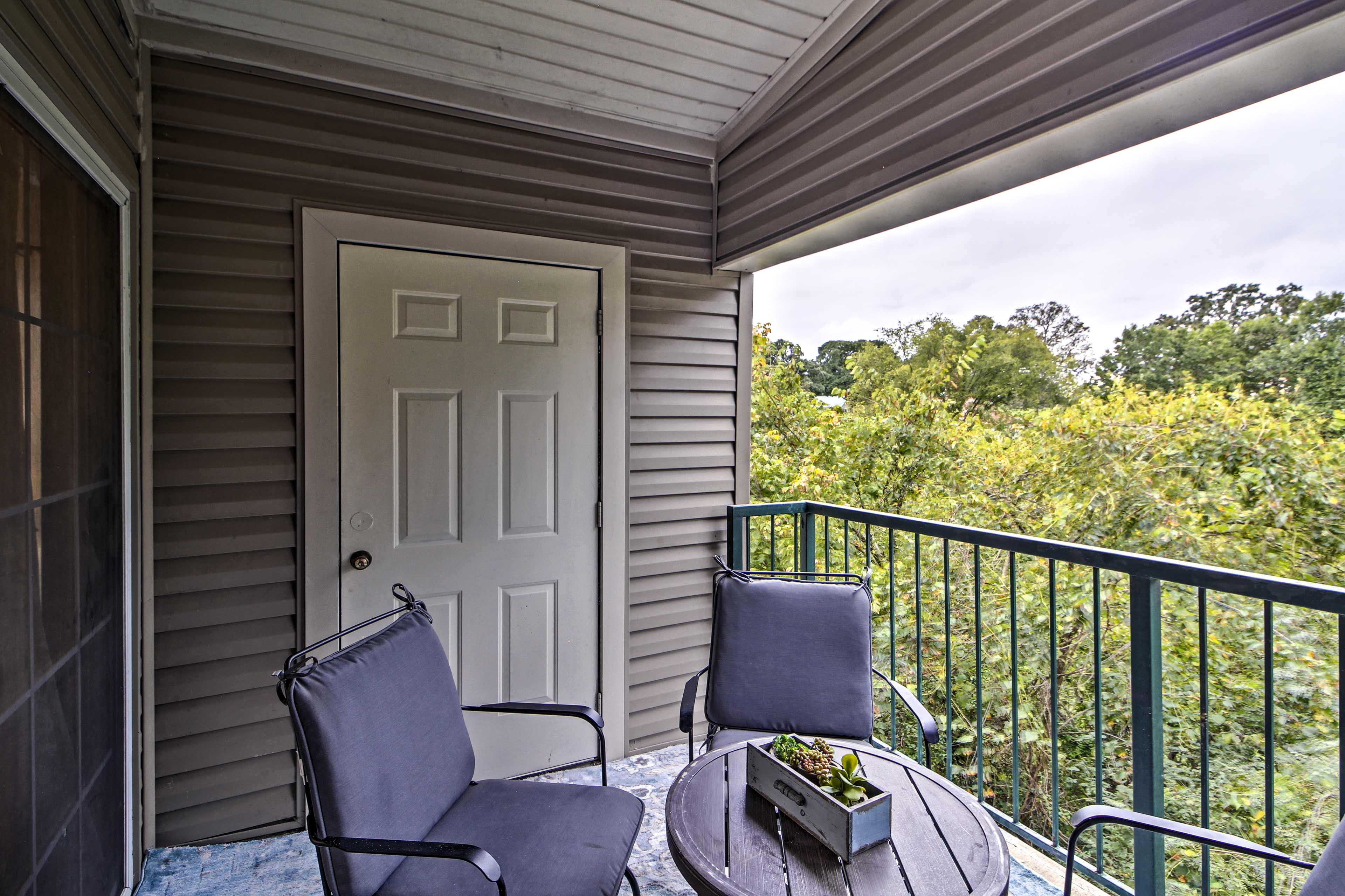 The 2-bedroom, 2-bath unit has room for 6 and access to resort amenities.