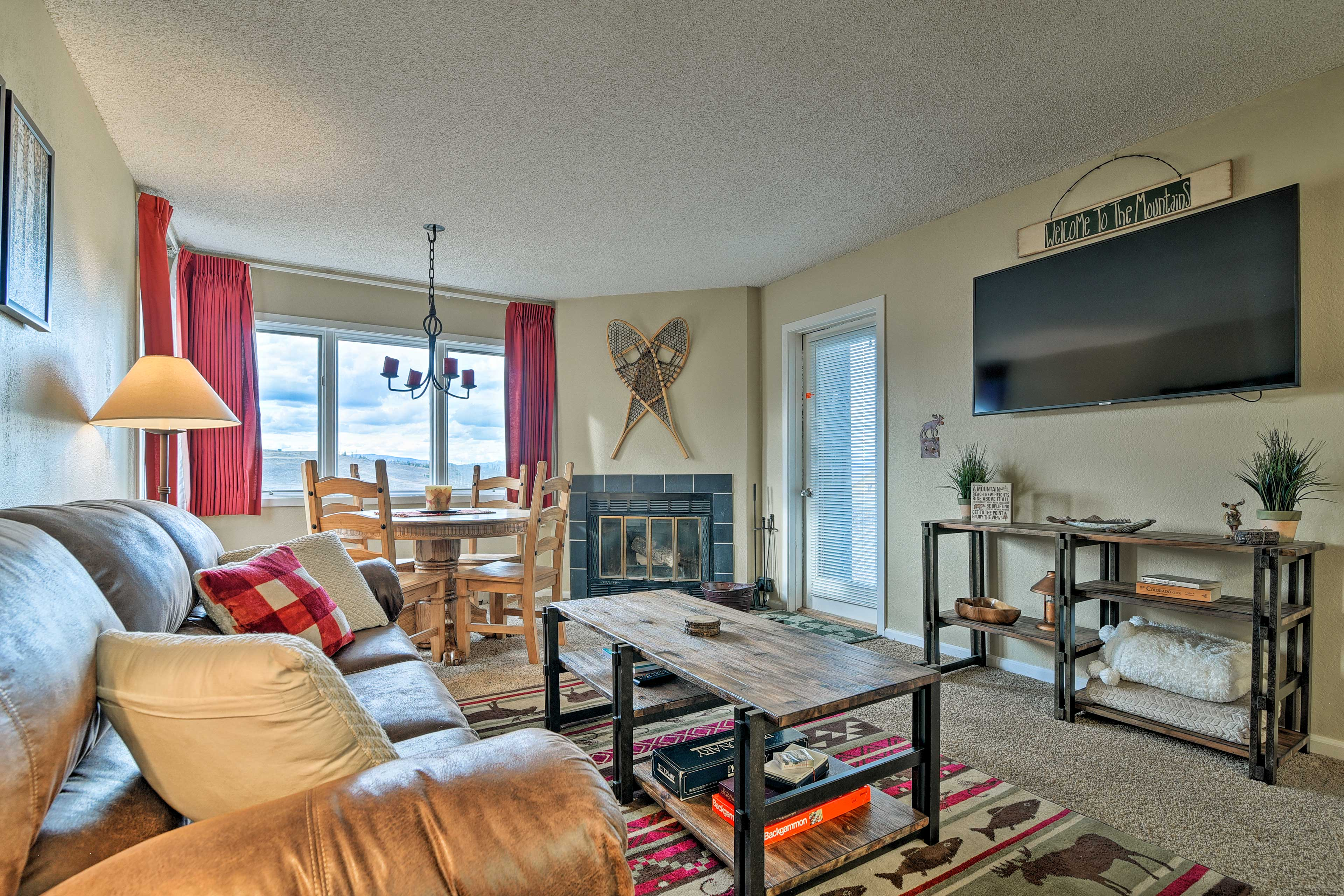 Book this Granby vacation rental condo for your mountain retreat.