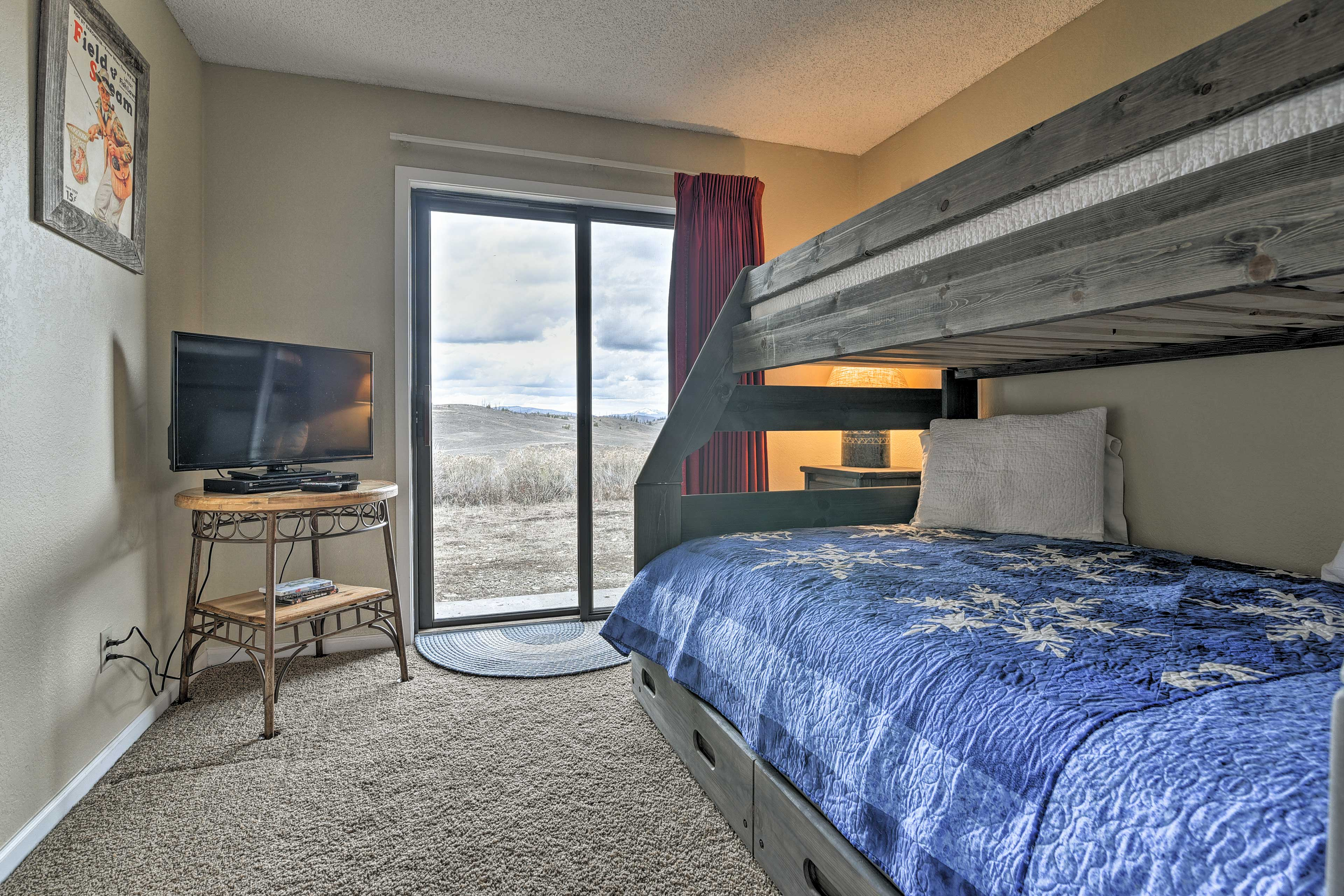 The condo offers 2 bedrooms for guests to sleep in.
