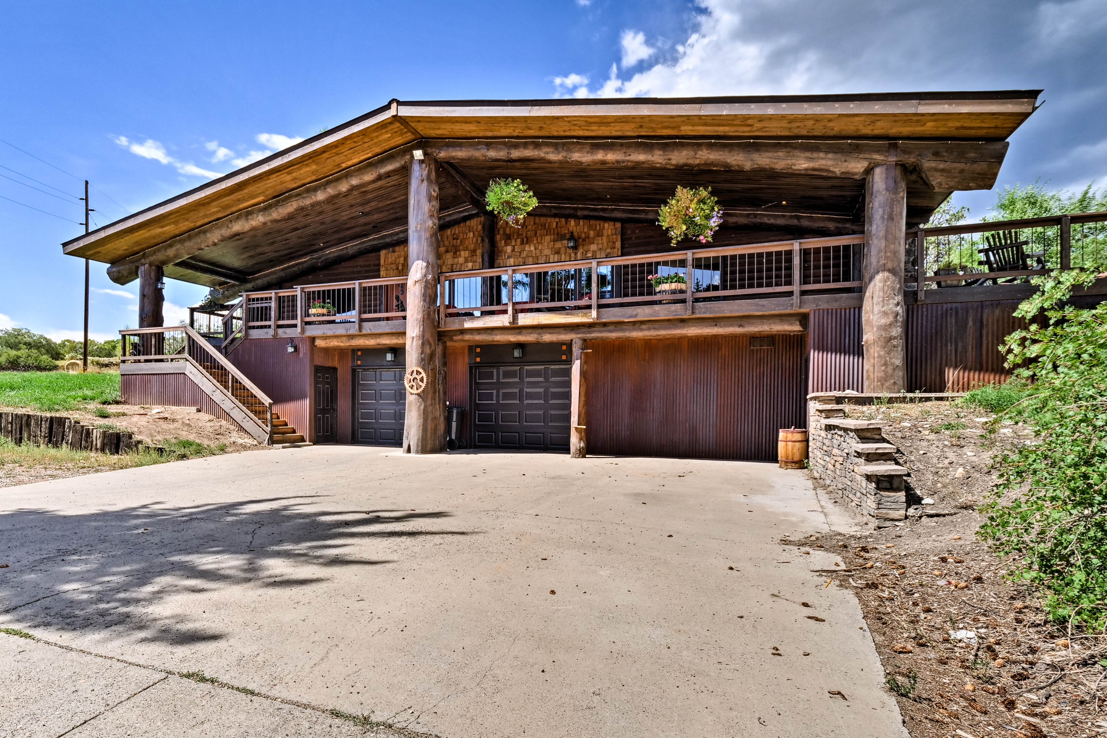 The home is newly renovated & channels the look of a classic log cabin.