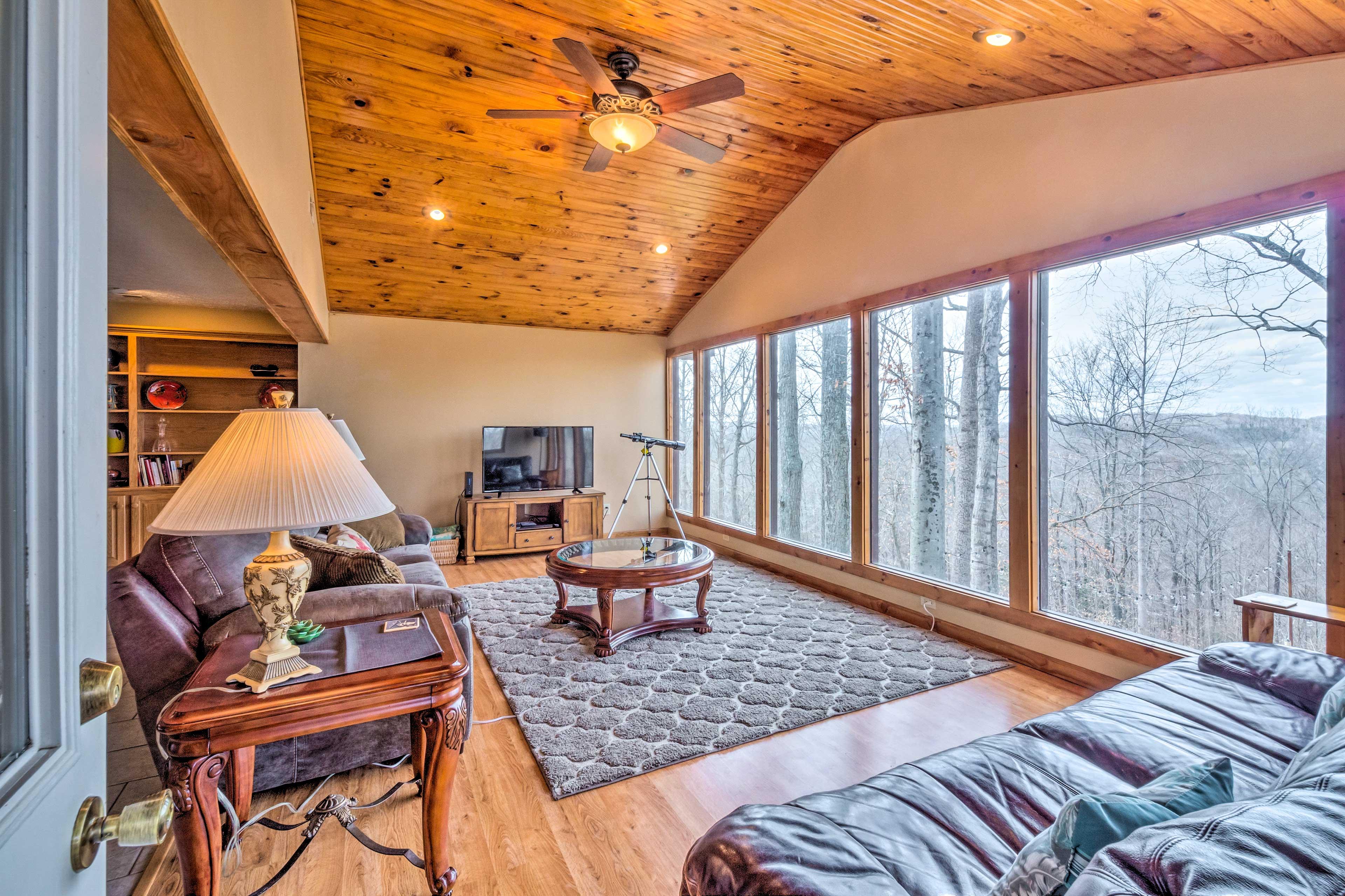 Living Room   Lake Vistas   Ample Natural Sunlight