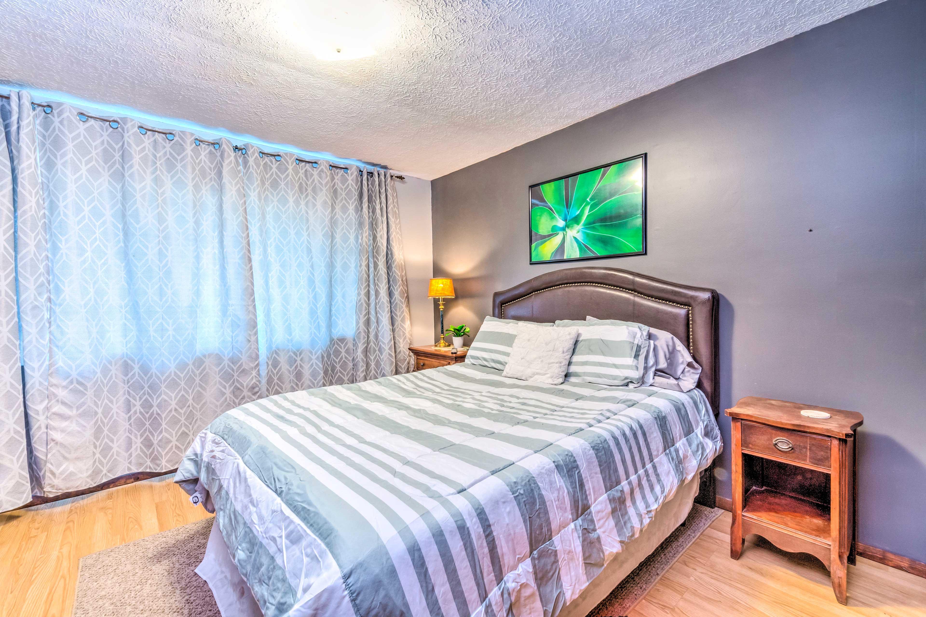 Bedroom 4   Queen Bed   Cable TV